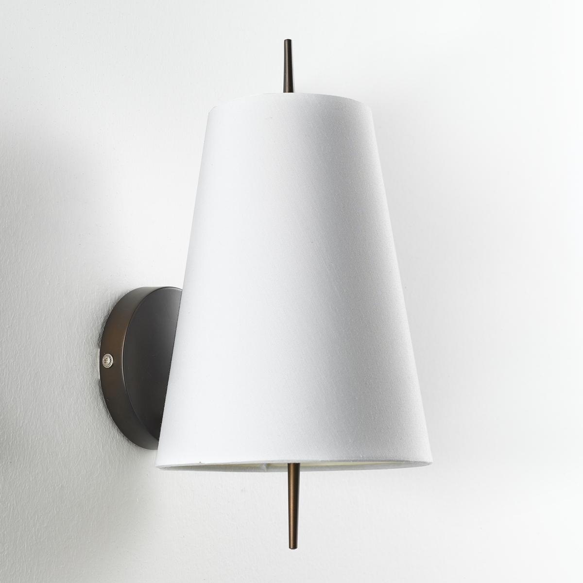 Бра JouanicoБра Jouanico. Успешное сочетание металла и хлопка для изящного светильника.Характеристики : - Из металла с покрытием эпоксидной краской бронзового цвета с эффектом старения- Абажур из хлопка- Патрон E14 для компактной лампы макс. 8 Вт (продается отдельно)- Совместим с лампами класса энергопотребления  AРазмеры : - Ш.16,8 x В.22 x Г.16,8 см- Абажур : Ш.16,8 x В.22 x Г.6,8 см<br><br>Цвет: белый
