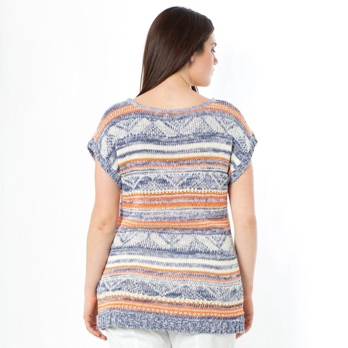 Пуловер с короткими рукавамиПуловер. Трикотаж с узором в этническом стиле! Свободный круглый вырез. Короткие рукава. Края рукавов и низа связаны в рубчик. Разноцветный трикотаж, 55% акрила, 33% хлопка, 12% полиамида. Длина 65 см.<br><br>Цвет: синий<br>Размер: 58/60 (FR) - 64/66 (RUS)