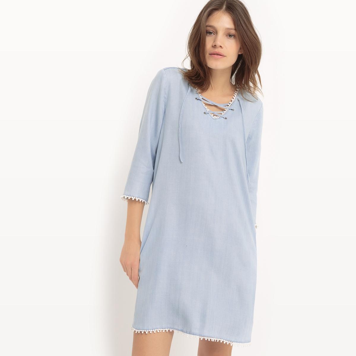 Платье расклешенное из денимаМатериал : 100% лиоцелл   Длина рукава : рукава 3/4   Форма воротника : V-образный вырез  Покрой платья : платье прямого покроя     Рисунок : однотонная модель Длина платья : короткое<br><br>Цвет: голубой
