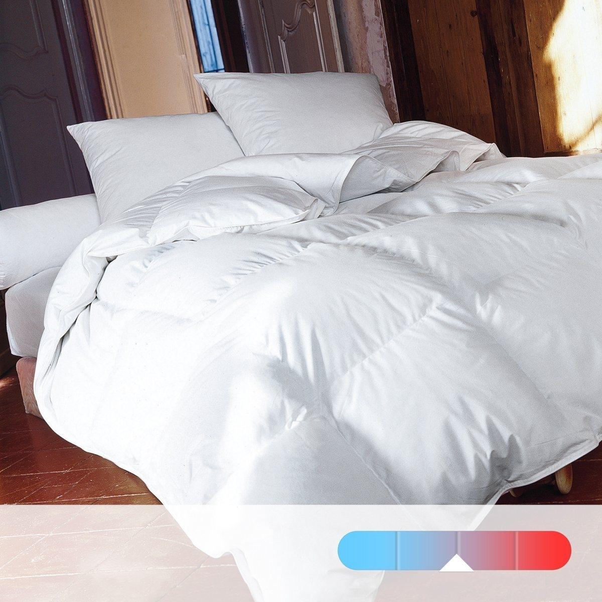 Одеяло натуральное для комфортного сна. Теплое, 50% пуха, 50% перьев.