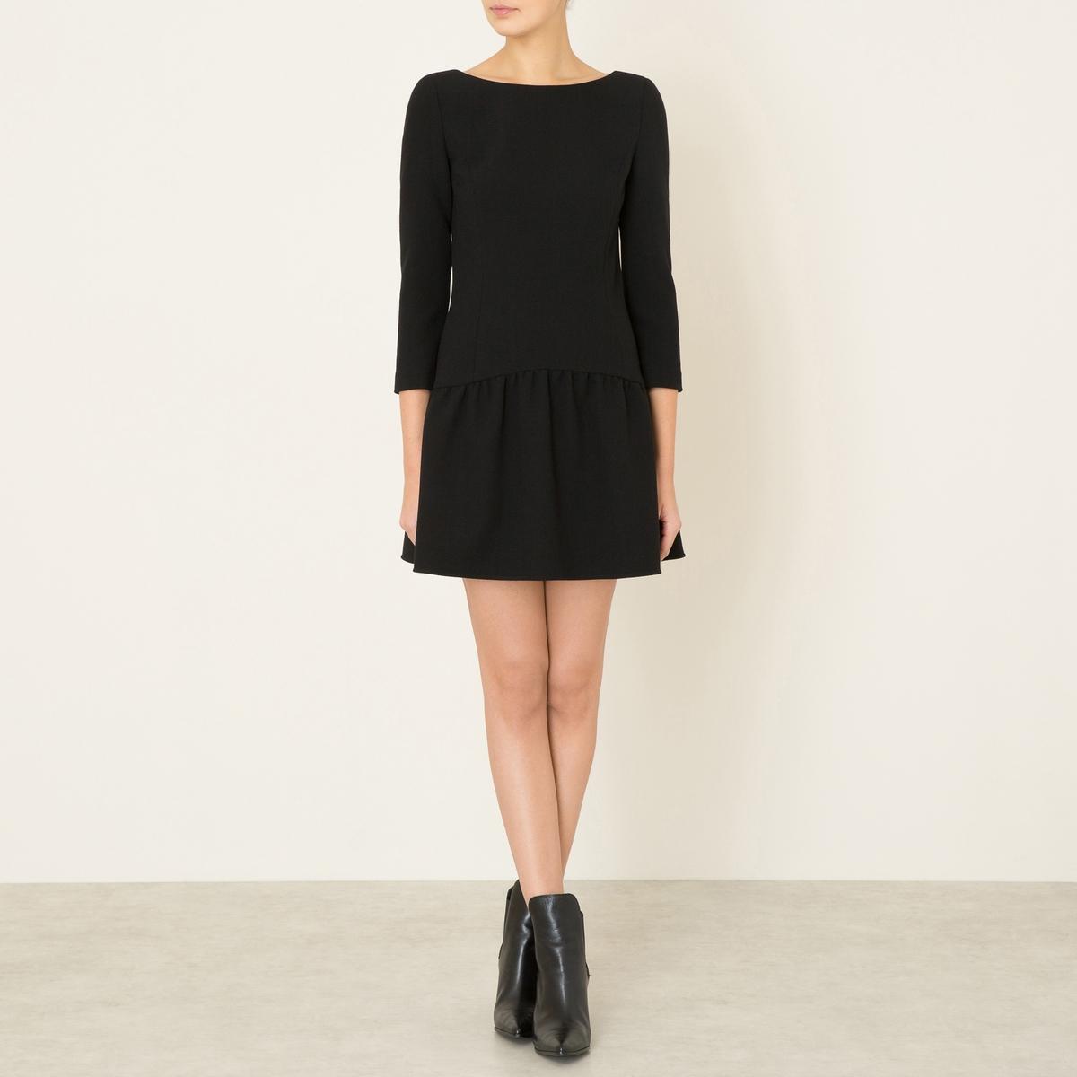 Платье TAXIКороткое платье BA&amp;SH - модель TAXI из меланжевой шерсти с круглым вырезом. Рукава 3/4. Прямой верх, расклешенная юбка. Открытая спинка с эффектом шнуровки. Полностью на подкладке.Состав и описание    Материал : 44% необработанной шерсти, 53% полиэстера, 3% эластана   Марка : BA&amp;SH<br><br>Цвет: черный<br>Размер: S