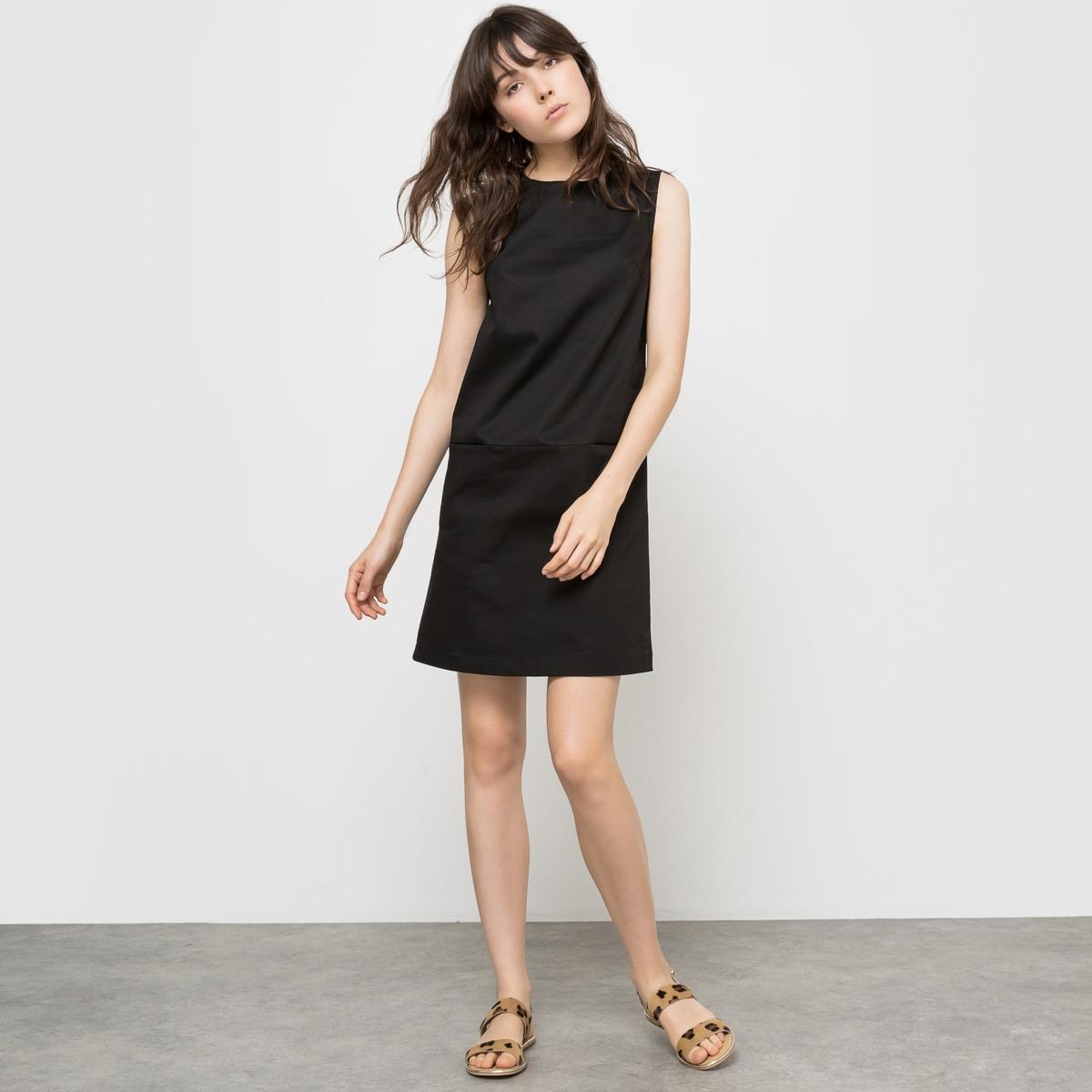 Платье короткое без рукавовПлатье без рукавов . Из хлопкового атласа . 98% хлопка, 2% эластана . 2 накладных кармана . Закругленный вырез . Застежка на молнию  . Длина 90 см .<br><br>Цвет: черный<br>Размер: 40 (FR) - 46 (RUS)