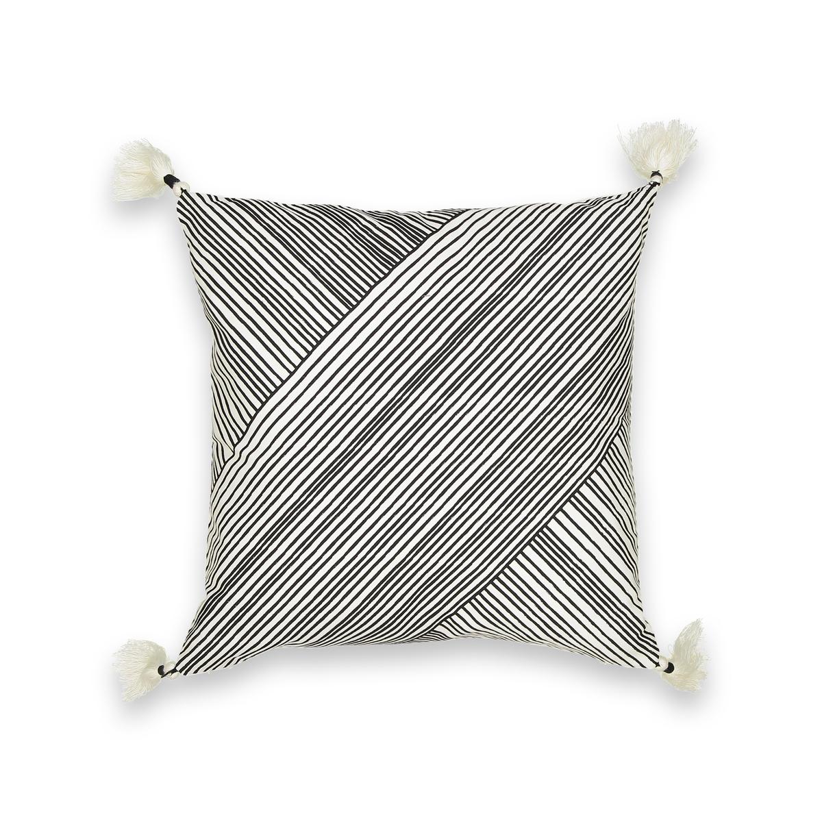 Чехол на подушку-валик, StriateЧехол на подушку-валик Striate. Рисунок в полоску черного и белого цветов и отделка кисточками по 4 углам. 100% хлопок . Стирать при 30°C. Размер : 45 x 45 см. Подушка продается отдельно.<br><br>Цвет: черный/ белый