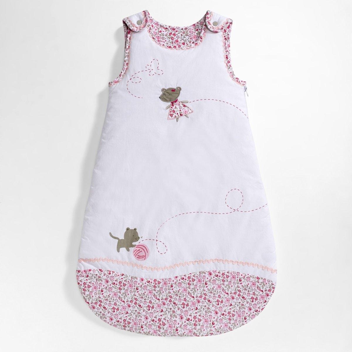 Конверт теплый для новорожденного с цветочным рисунком из перкали, 100% хлопокКонверт для новорожденного с цветочным рисунком Lili из перкали, 100% хлопок  . Мягкий конверт для новорожденного с котенком и мышкой и цветочным принтом . Прекрасная идея подарка на рождение ребенка. Характеристики конверта для новорожденного Lili :Качественная перкаль, 100% хлопок (57 нитей/см?)Цветочный принт с красивым зубчатым бордюром   Подкладка с цветочным принтом из джерси для большей мягкости Однотонная спинка.Наполнитель: полиэстер.Застежка на молнию по всей длине.2 длины : 70 см и 90 см.Стирка при 40°.Всю коллекцию постельного белья Lili вы можете найти на сайте laredoute.ru<br><br>Цвет: белый/рисунок розовый/бежевый