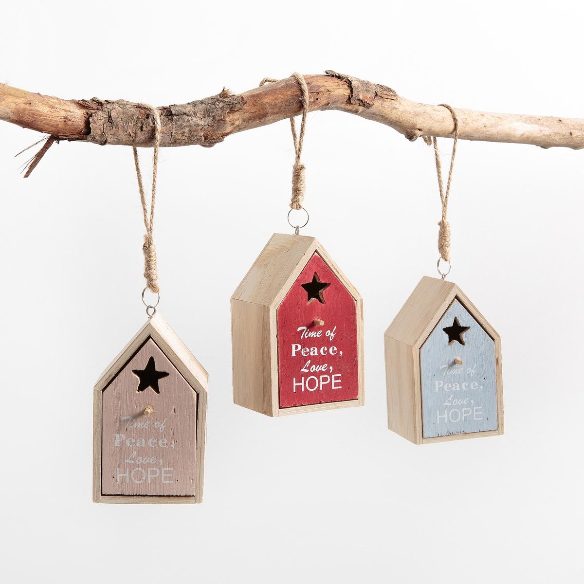 Комплект из 3 новогодних домиков из дерева, COCOUNAОписание:Комплект из 3 новогодних домиков для подвешивания, COCOUNA. Очаровательные домики красиво украсят вашу елку.Характеристики :Материал : клееная фанера + веревка для подвешивания из сизаляНарисованная дверь с эффектом старенияРазмеры домика: В. 11 x 6 x 6,5 смНебольшая ниша позволит вам положить туда сладости для большой радости ваших малышей !<br><br>Цвет: белый/ красный/ синий<br>Размер: единый размер