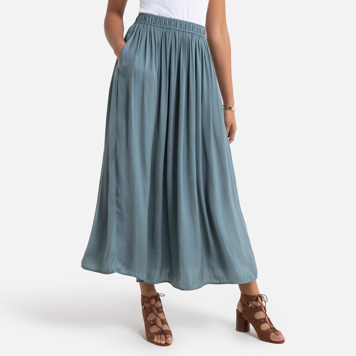Falda plisada con largo midi