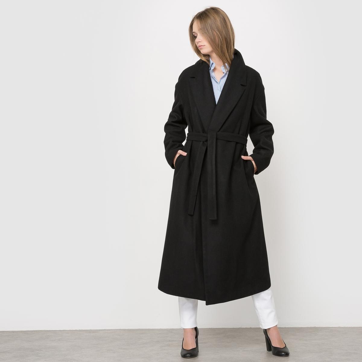 Пальто длинное без застежки с поясомДлинное пальто без застежки с поясом, свободного покроя. Пояс со шлевками. Приспущенные проймы. Карманы по бокам.Состав и описание:Материал бежевого цвета: 60% шерсти, 40% полиэстера.Материал черного цвета: 56% шерсти, 34% полиэстера, 5% полиамида,                                    5% других волокон.Подкладка: 100% полиэстера.Длина: 120 см.Марка: R essentiel.   Уход:Стирка запрещена.Только сухая чистка.Гладить на низкой температуре.<br><br>Цвет: черный<br>Размер: 46 (FR) - 52 (RUS).50 (FR) - 56 (RUS).42 (FR) - 48 (RUS)