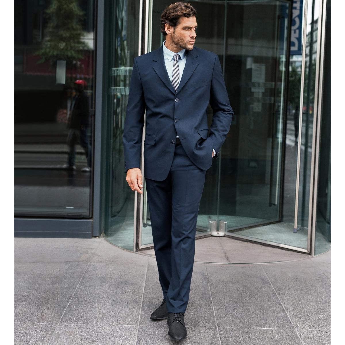 Брюки от костюма без защипов из ткани стретч, длина.2Брюки от костюма без защипов, длина 2. Высококачественная эластичная ткань, 62% полиэстера, 33% вискозы, 5% эластана. Подкладка 100% полиэстер. Длина 2 : при росте от 187 см.Можно носить как в сочетании с пиджаком, так и отдельно. Полнота пояса регулируется и подстраивается под любую морфологию. Застежка на молнию, пуговицу и крючок. 2 косых кармана. 1 прорезной карман с пуговицей сзади. Необработанный низ. Длина 2 : при росте от 187 см.- Длина по внутр.шву : 91,8-94,8 см, в зависимости от размера. - Ширина по низу : 21,4-27,4 см, в зависимости от размера. Есть также модель длины 1: при росте до 187 см. Есть также модель с защипами.<br><br>Цвет: антрацит,темно-синий,черный<br>Размер: 48 (FR) - 54 (RUS).58.64.48 (FR) - 54 (RUS).54