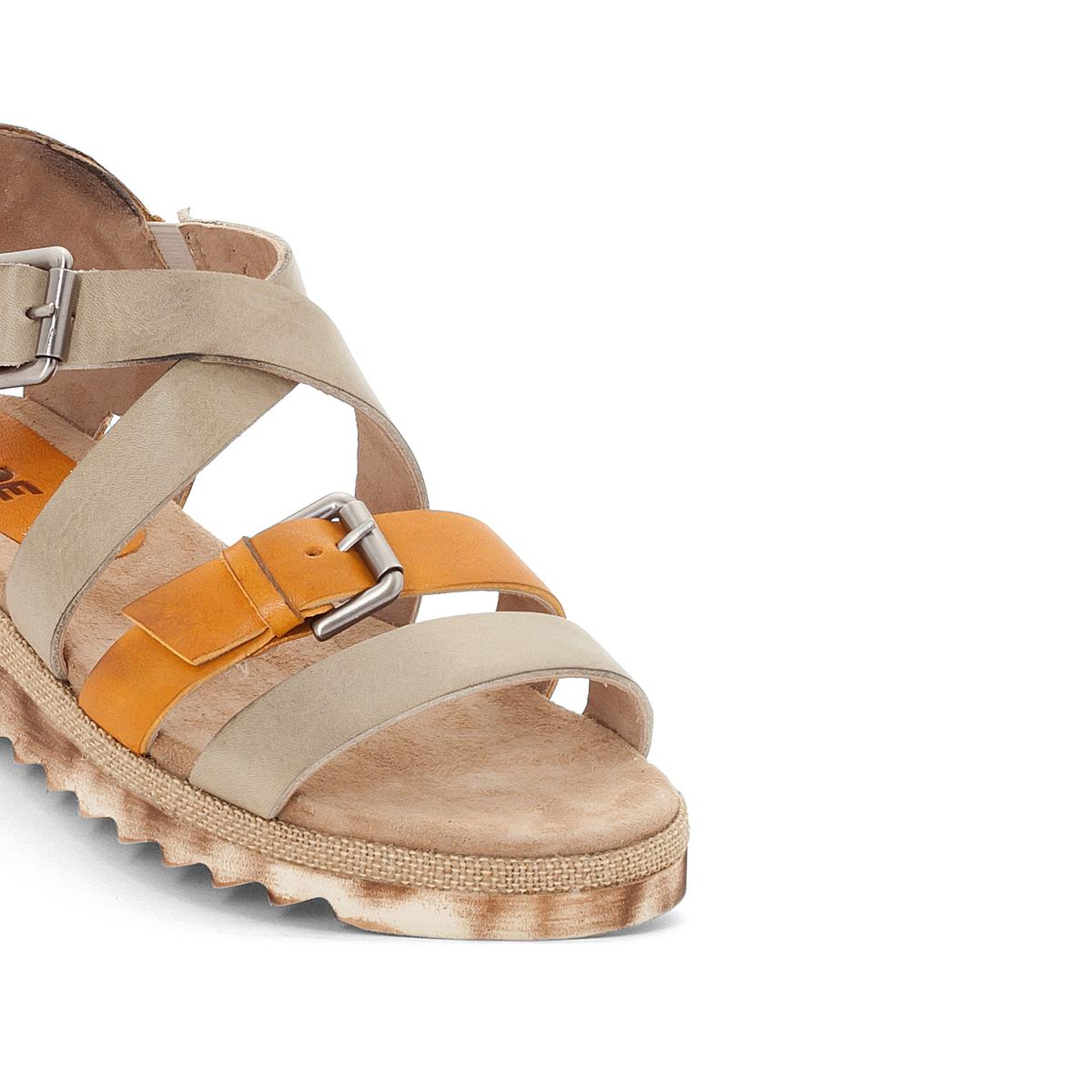 Босоножки кожаные LibbyВерх : кожа   Подкладка : кожа   Стелька : кожа   Подошва : резина   Высота каблука : 3 см   Форма каблука : плоский каблук   Мысок : открытый мысок   Застежка : пряжка<br><br>Цвет: бежевый,золотистый