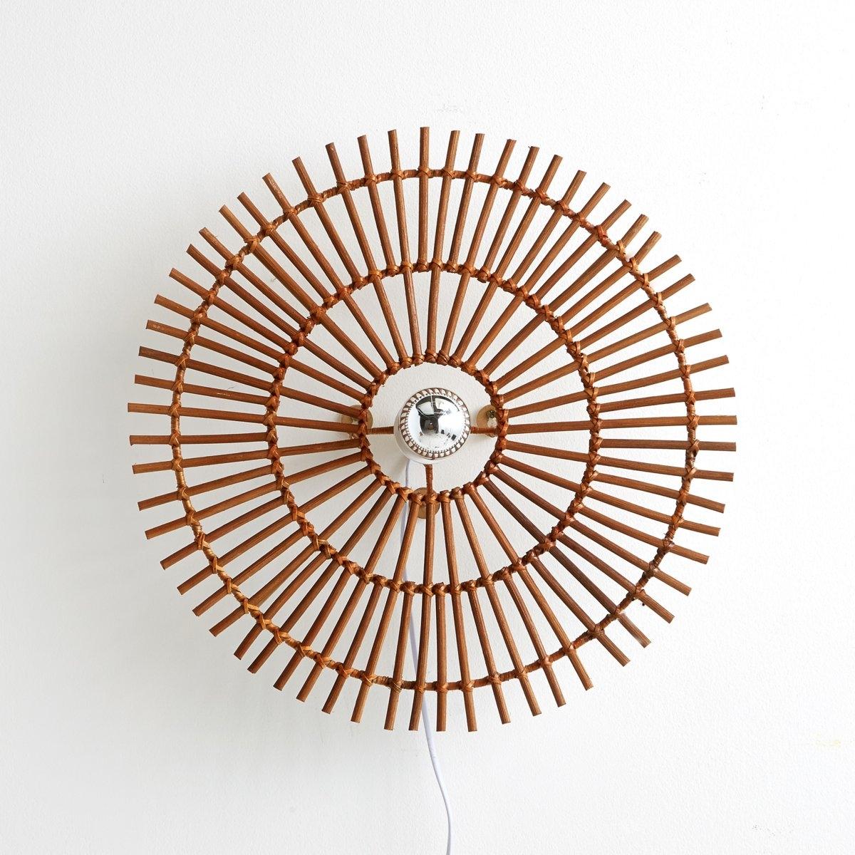 Бра из ротанга , NoguБра из ротанга, Nogu . Естественность и супер декор !Описание светильника , Nogu  :Не электрифицированный .Характеристики светильника , Nogu  :Натуральный ротанговый тростник.Найдите коллекцию светильников на сайте laredoute.ruРазмер светильника , Nogu  :Диаметр : 50 см.<br><br>Цвет: серо-бежевый