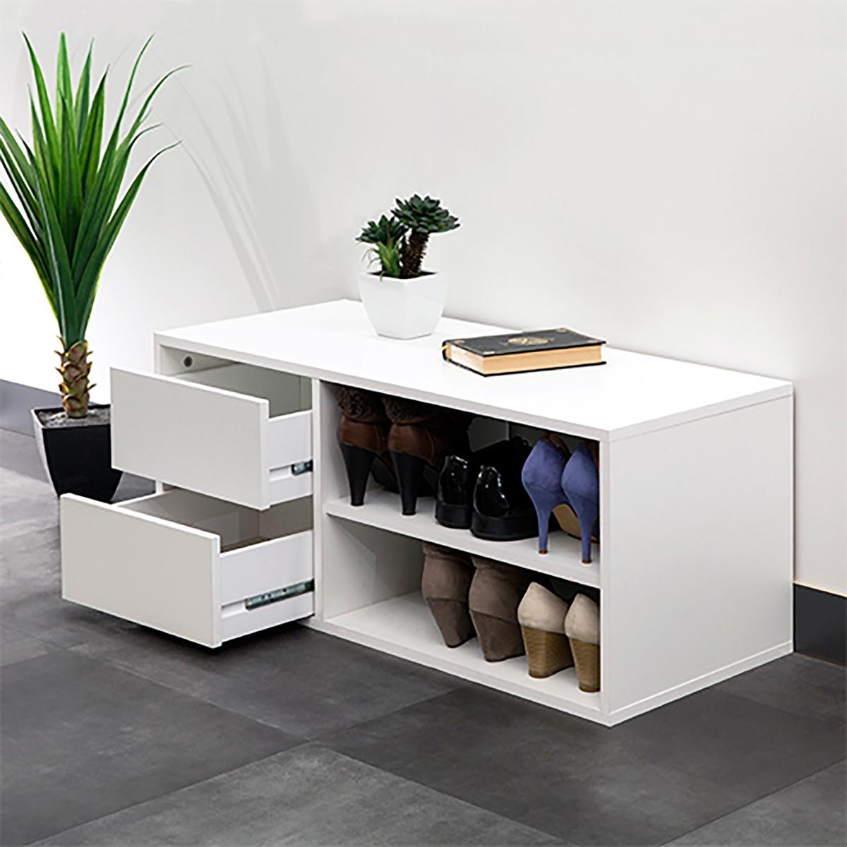 Тумба для обуви ReynalТумба для обуви Reynal. Вмещает до 6 пар обуви: 2 полки и 2 ящика. Ультрапрактичная тумба для обуви сдержанного дизайна производства Франции.Описание тумбы для обуви Reynal:2 полки с регулируемой высотой.2 выдвижных ящика. Характеристики тумбы для обуви Reynal:Панели с меламиновой обработкой толщиной 16 мм, отделка цвета светлого дуба и/или белого цвета.2 цвета отделки на выбор: полностью белого цвета или тумба белого цвета, панели ящиков цвета светлого дуба.Основание из необработанного МДФ. Размеры тумбы для обуви Reynal:Общие:Длина 89,5 см.Глубина 39,6 см.Высота 38,2 см.Ниша: Д.51,3 x Г.39,6 x В.35 см.Ящик: Д.32,9 x Г.36 x В.12 см. Размеры и вес упаковки:1 упаковка: Д.103.3 x Г.45.4 x В.9.2 см. 20.7 кг. Производство: Франция. Доставка:Туба для обуви Reynal продается в разобранном виде. Возможна доставка до квартиры!Внимание! Убедитесь, что товар возможно доставить на дом, учитывая его габариты (проходит в двери, по лестницам, в лифты).<br><br>Цвет: белый<br>Размер: единый размер