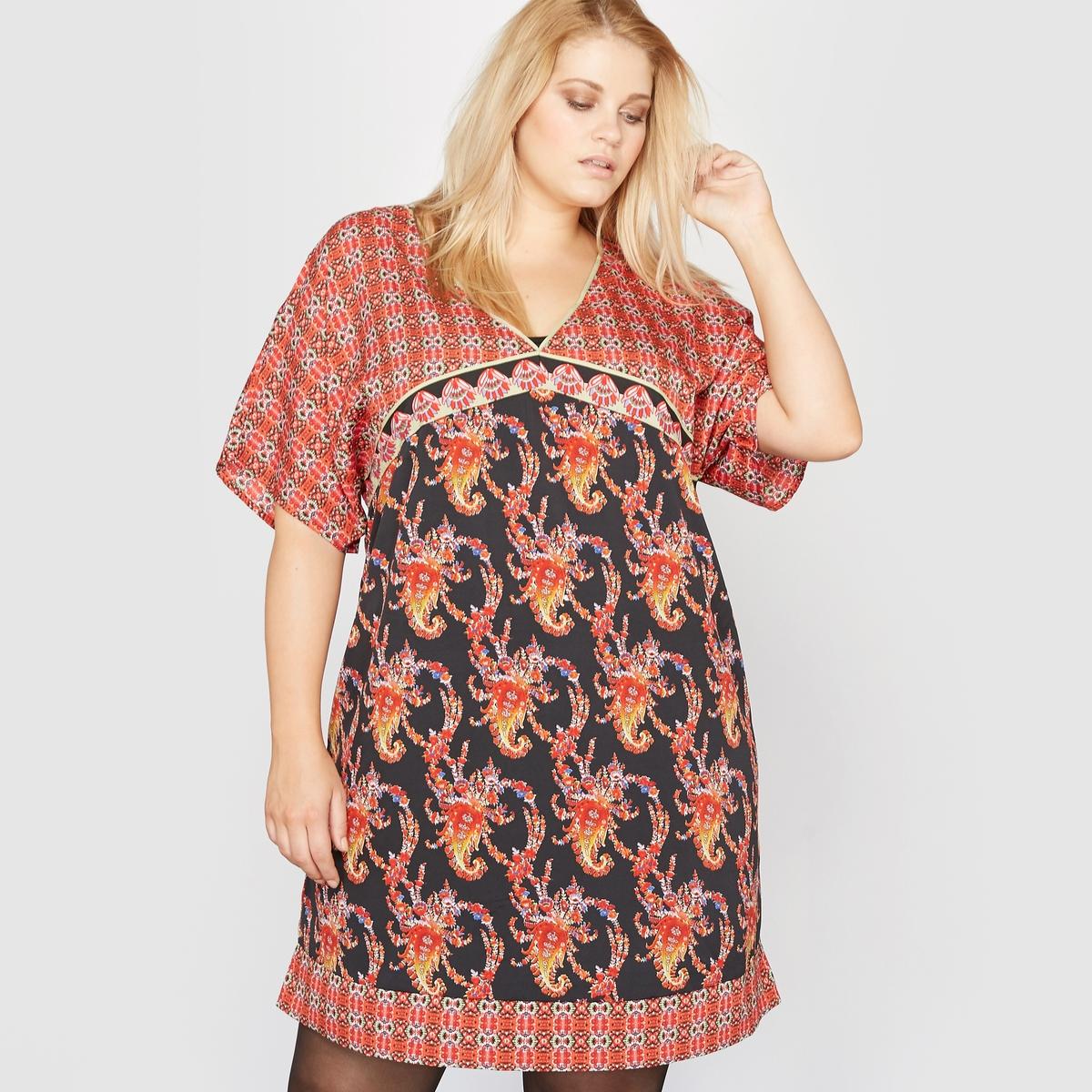 Платье с рисунком  рукавами-кимоно