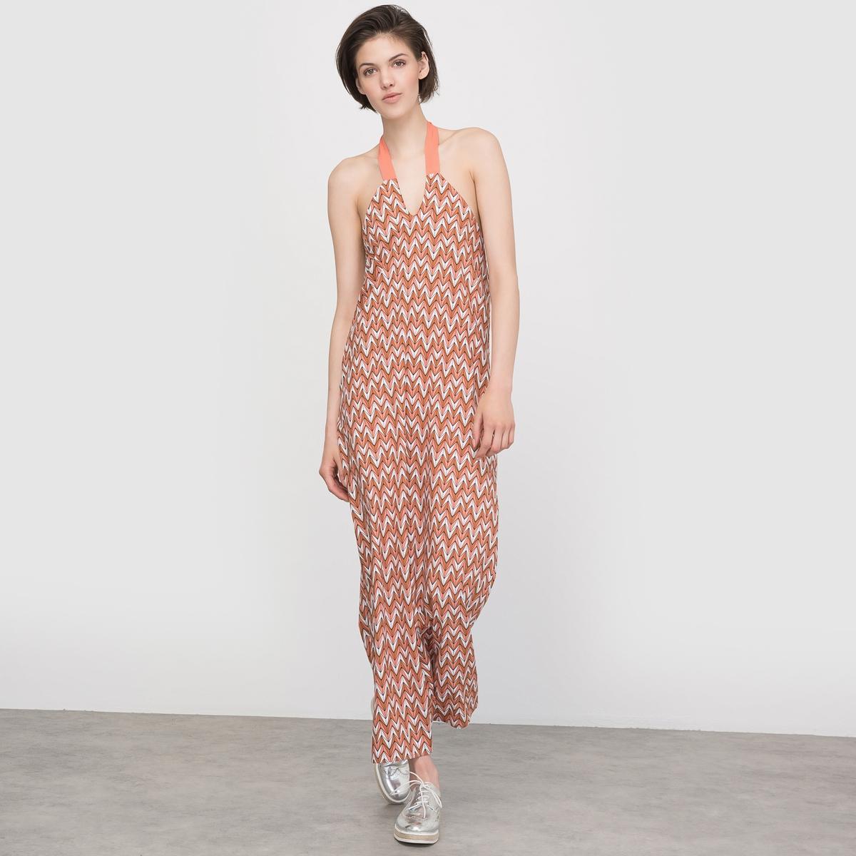 Платье длинное с открытой спиной и цветочным рисункомПлатье длинное из струящегося крепа с цветочным рисунком и застежкой на молнию. Прямой покрой, открытые плечи. V-образный вырез с завязками на шее. Прямая эластичная спинка.Состав и описаниеМарка : LES PETITS PRIXМатериалы  : 100% вискозы УходМашинная стирка при 30 °C в деликатном режиме с вещами схожих цветов Стирка и глажка с изнаночной стороны Машинная сушка запрещена Гладить при умеренной температуре<br><br>Цвет: набивной рисунок<br>Размер: 44 (FR) - 50 (RUS)