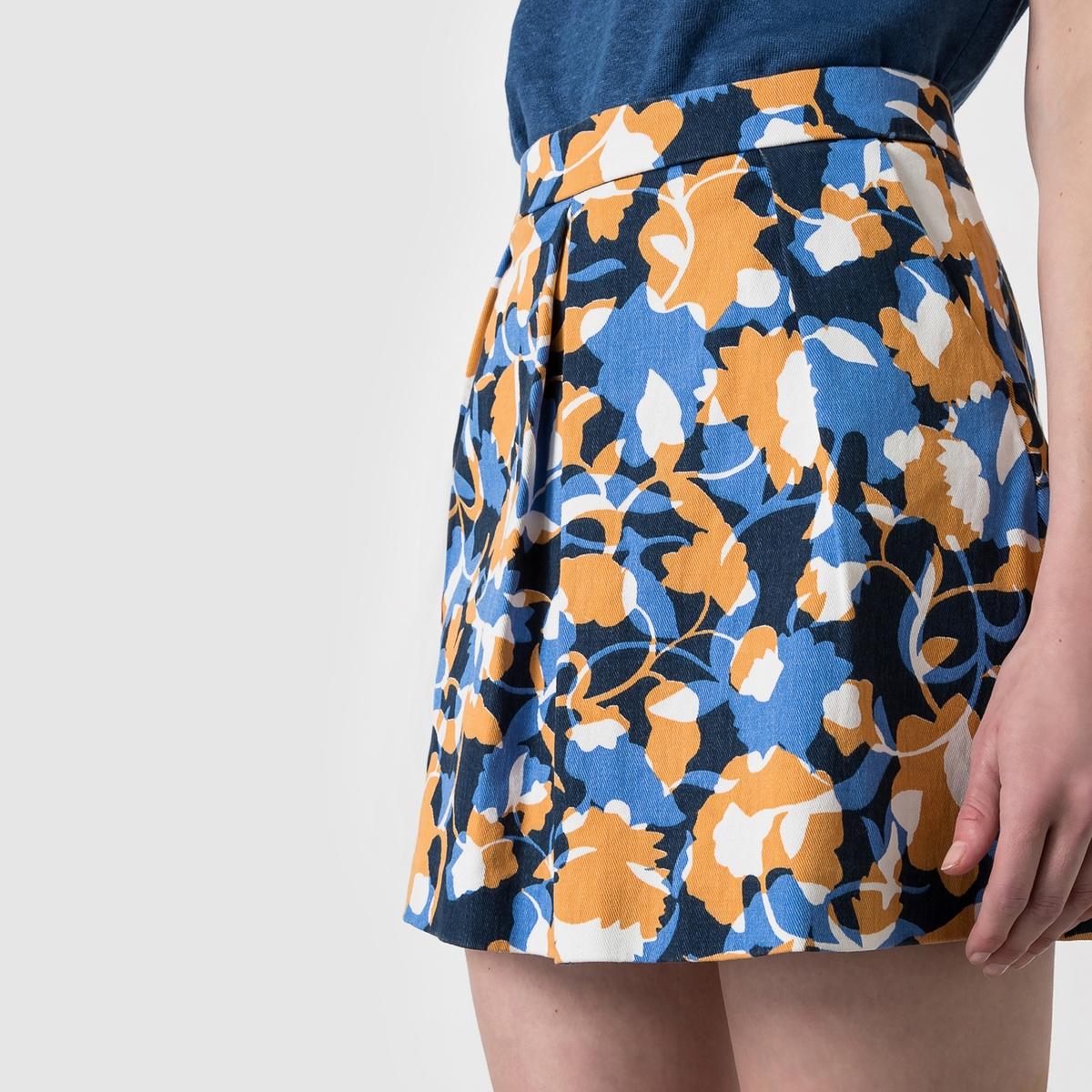 Юбка короткая с рисункомКороткая юбка 98% хлопка, 2% эластана. Застежка на молнию сзади. 2 кармана по бокам. Складки внутрь спереди . Длина 45 см. Очаровательный рисунок, который придаст ярких красок вашей летней одежде .<br><br>Цвет: набивной рисунок