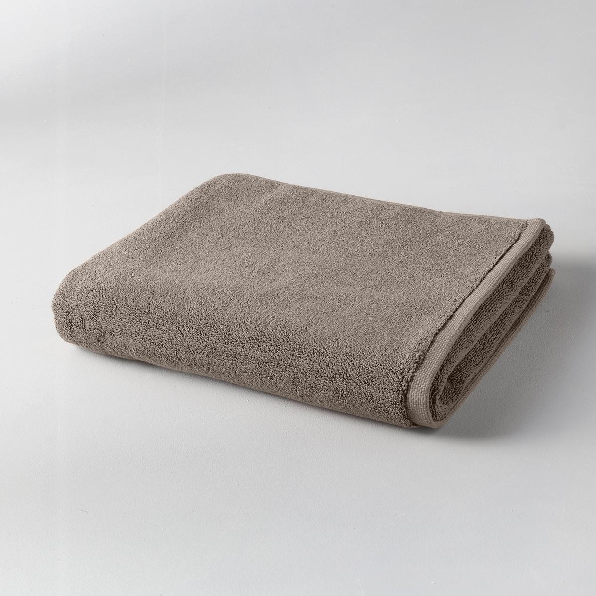 Коврик для ванной GilbearКоврик для ванной 100% хлопка Gilbear : ультрамягкая махровая ткань, очень пушистая и нежная.Материал :Махровая ткань из 100% чесаного хлопка 800 гр/м?, очень мягкая и износоустойчивая.Отделка :Жаккардовая кромка с микрорисунком икринки.Уход: :Стирка при 60°.Размеры :- 60 x 60 см : квадратный.- 60 x 100 см : прямоугольный.<br><br>Цвет: светло-серый,серо-коричневый,серо-розовый,сине-зеленый,синий морской,темно-серый,черный<br>Размер: 60 x 60  см.60 x 60  см.60 x 100 см.60 x 60  см.60 x 60  см