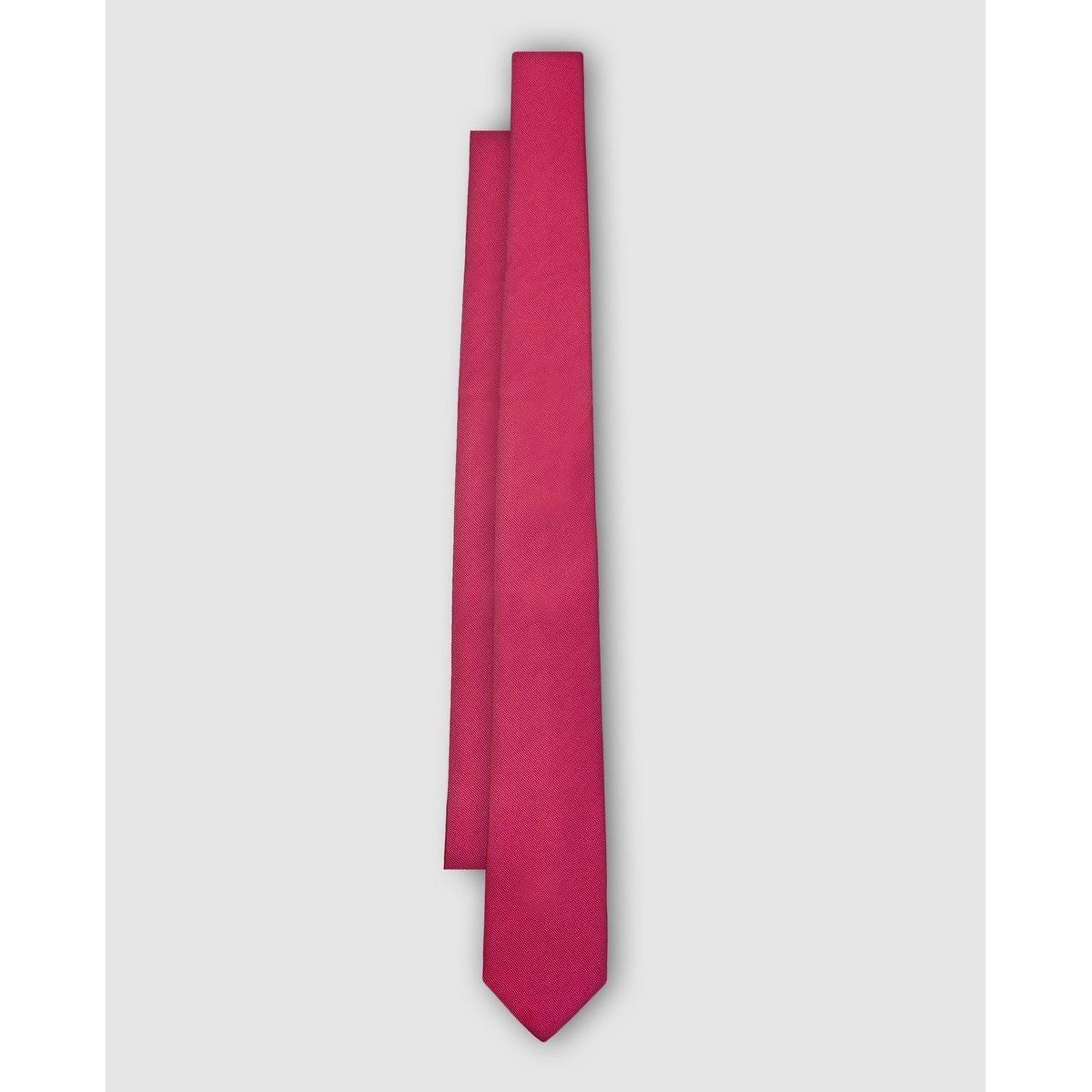 Cravate en soie naturelle . Fabriquée en Espagne.