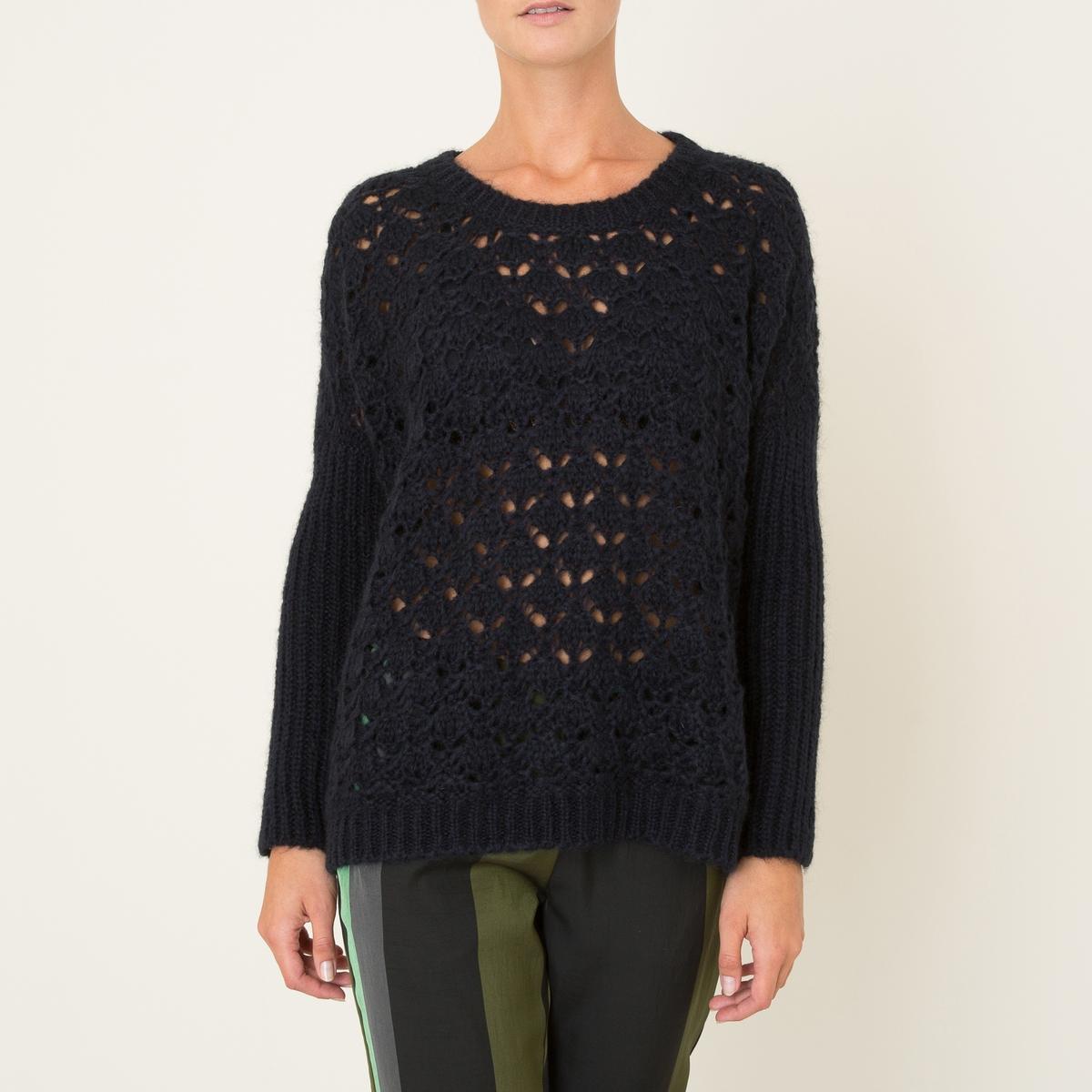 Пуловер из ажурного трикотажаКороткий пуловер STELLA FOREST - из ажурного трикотажа. Круглый вырез. Основная часть из ажурного трикотажа. Прямые длинные рукава из трикотажа в рубчик. Прямой низ в рубчик.Состав и описание Материал : 30% мохера, 38% акрила, 32% полиамидаМарка : STELLA FOREST<br><br>Цвет: темно-синий