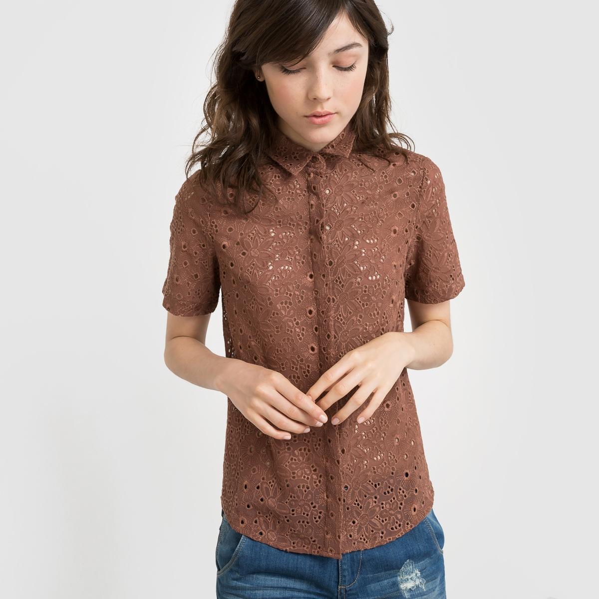 Camisa de mangas curtas em bordado inglês