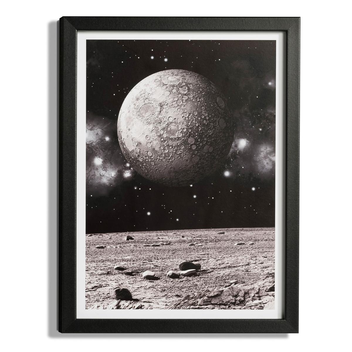 Фотография LunarniЧерно-белая фотография в рамке под стеклом. Характеристики:- Рамка из МДФ.Размеры:- Д.30 x В.40 см.<br><br>Цвет: черный/ белый