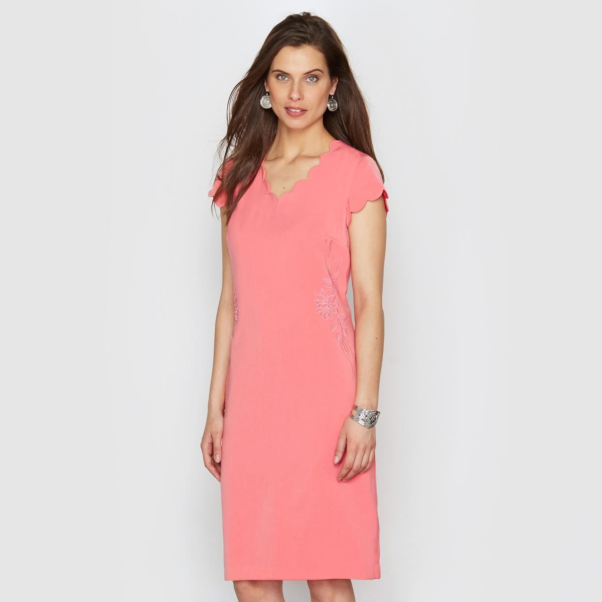 Платье из крепаОчень женственное платье с вырезом, короткими рукавами и отделкой краев фестонами  . Однотонная вышивка украшает платье на уровне пояса   . Красивые отрезные детали сзади подчеркивают стройный силуэт . Шлица сзади. Подкладка из полиэстера. Длина. 95 см. Креп, 100% полиэстера.<br><br>Цвет: коралловый,черный<br>Размер: 40 (FR) - 46 (RUS).40 (FR) - 46 (RUS)