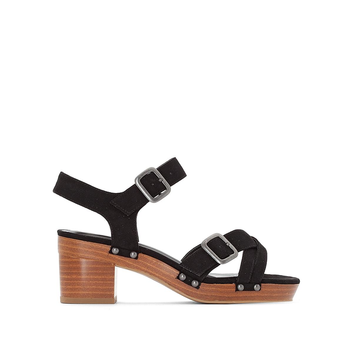 zapatillas Sandalias con plataforma y detalle de tachuelas