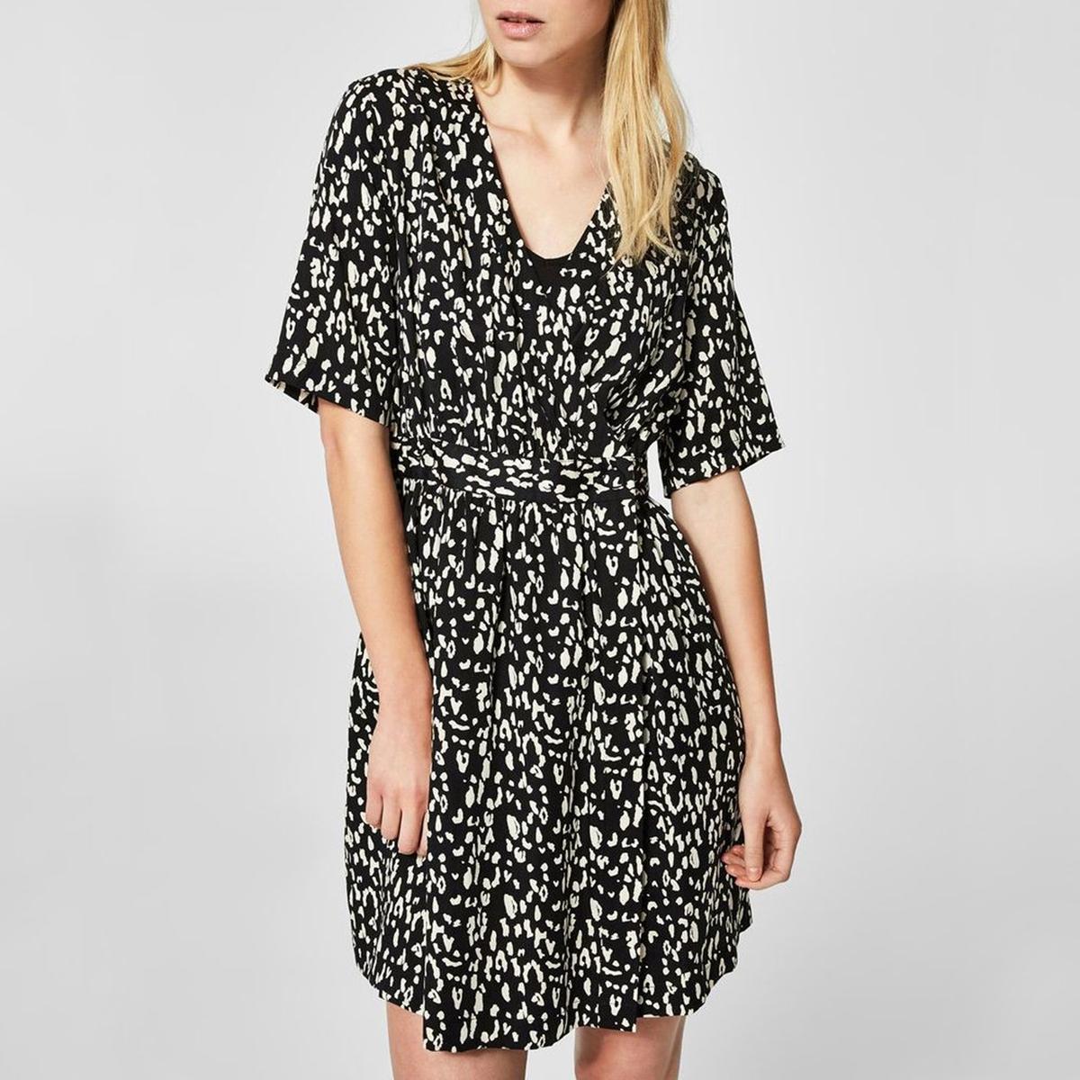 Платье короткое с запахом и принтом