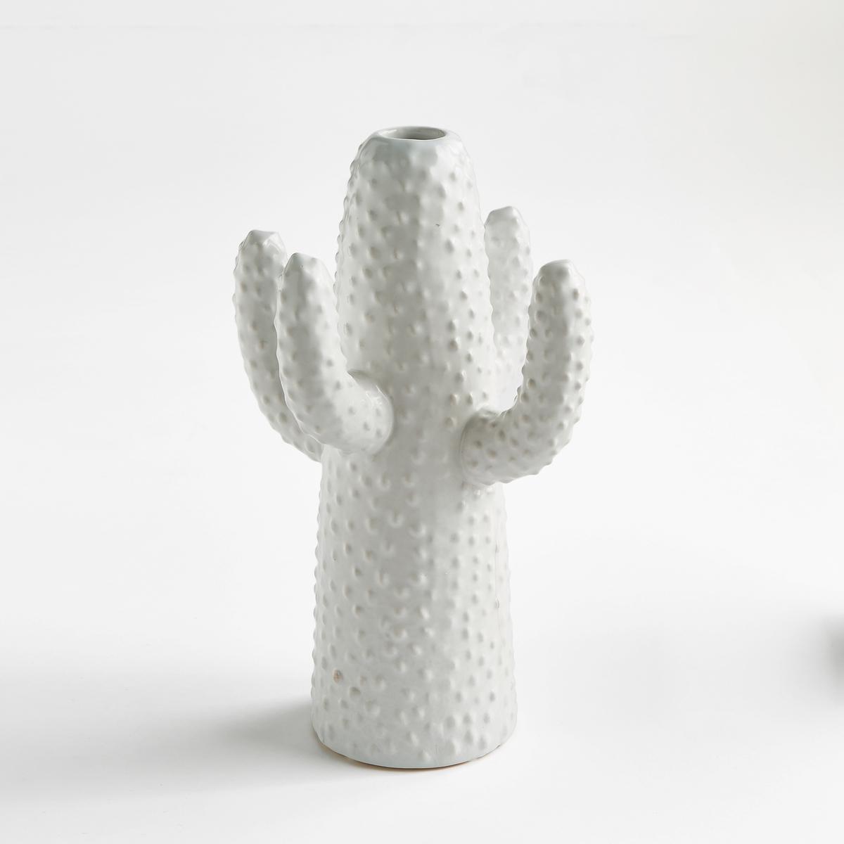 Ваза Cactus, высота 29 см, дизайн М. Михельссен для SeraxМари Михельссен - дизайнер. Она черпает вдохновение в повседневной жизни и в различных элементах, которые стимулируют ее дух. Для Serax она создала эту вазу в форме кактуса.     На сайте представлены 3 размера белого и зеленого цветов для придания пикантности Вашему декору.    Характеристики : - Из керамики, покрытой глазурью   Размеры : - Ш.19 x В.29 x Г.17 см.<br><br>Цвет: белый