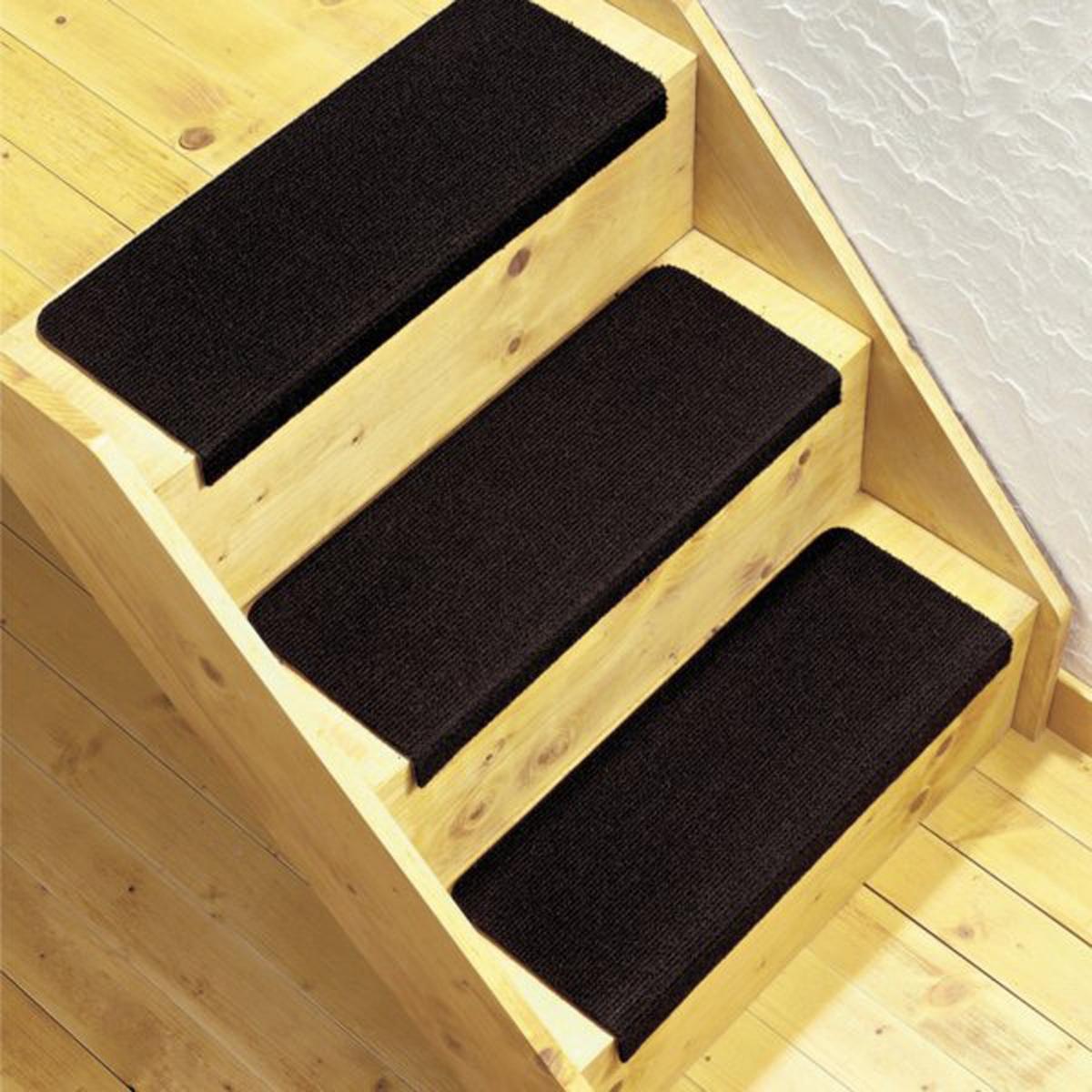 Комплект из 3 ковриков для лестницХарактеристика коврика для лестниц :100% полипропилен.Машинная стирка при 30 °С. Описание коврика для лестниц:Обработка против пятен.Противоскользящее покрытие на латексной основе снизу.Заранее сформированные ступени для быстрой укладки и отличного внешнего вида. Размеры :Ширина. 26 x Длина. 59 см.Качество VALEUR S?RE за износостойкость.<br><br>Цвет: светлый каштан