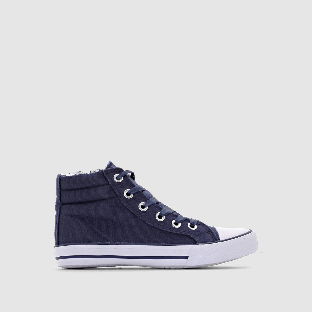 Кеды с атласными шнурками 26-39Описание:Детали •  Кеды высокие •  Спортивный стиль •  Плоский каблук •  Застежка : шнуровка •  Гладкая отделкаСостав и уход • Верх 100% хлопок •  Подкладка 100% хлопок<br><br>Цвет: темно-синий<br>Размер: 27.28.29.30.31.32.33.34.35.36.38