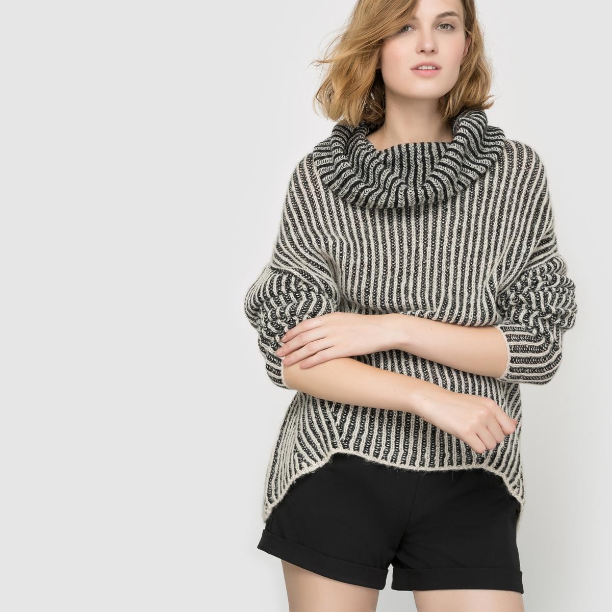 Пуловер двухцветный с округлым вырезом  VISTRIBA KNIT TOPСостав и описание :Материал : 70% акрила, 13% шерсти, 10% нейлона, 7% шерсти Марка : VILA.<br><br>Цвет: черный/ бежевый