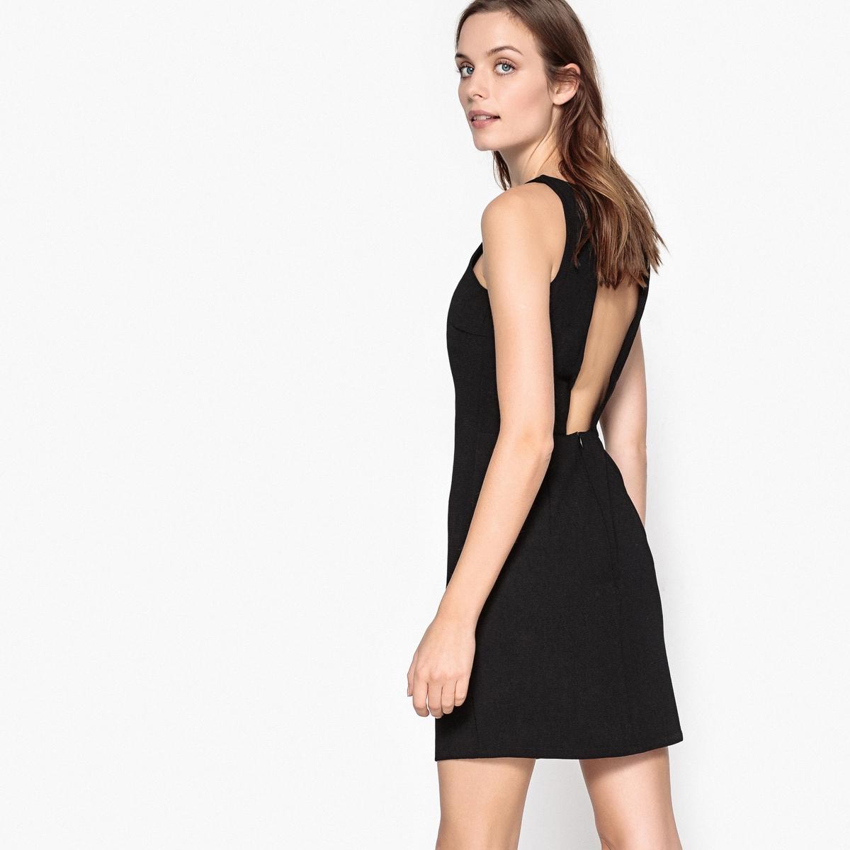 Платье однотонное средней длины, расширяющееся к низу, без рукавовДетали •  Форма : расклешенная •  Длина до колен •  Без рукавов    •  Круглый вырез Состав и уход •  100% полиэстер •  Следуйте рекомендациям по уходу, указанным на этикетке изделия<br><br>Цвет: черный<br>Размер: 36 (FR) - 42 (RUS)