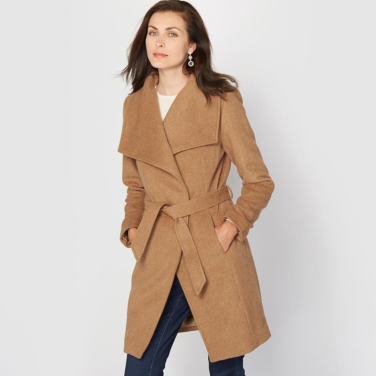 Пальто, 60% шерстиЭлегантное пальто, модное во все времена! Великолепный покрой, отличная форма. Воротник с широкими отворотами. Застежка на завязки на поясе со шлевками. Отрезные детали спереди и сзади. Карманы в боковых разрезах. Расширяющийся к низу покрой в талию спереди и сзади.Состав и описание :Материал : Очень красивый шерстяной драп 60% шерсти, 25% полиэстера, 10% вискозы, 5% других волокон.Подкладка : 100% полиэстера.Длина 85 см.Марка : Anne WeyburnУход :Сухая (химическая) чистка. Гладить при умеренной температуре.<br><br>Цвет: темно-бежевый