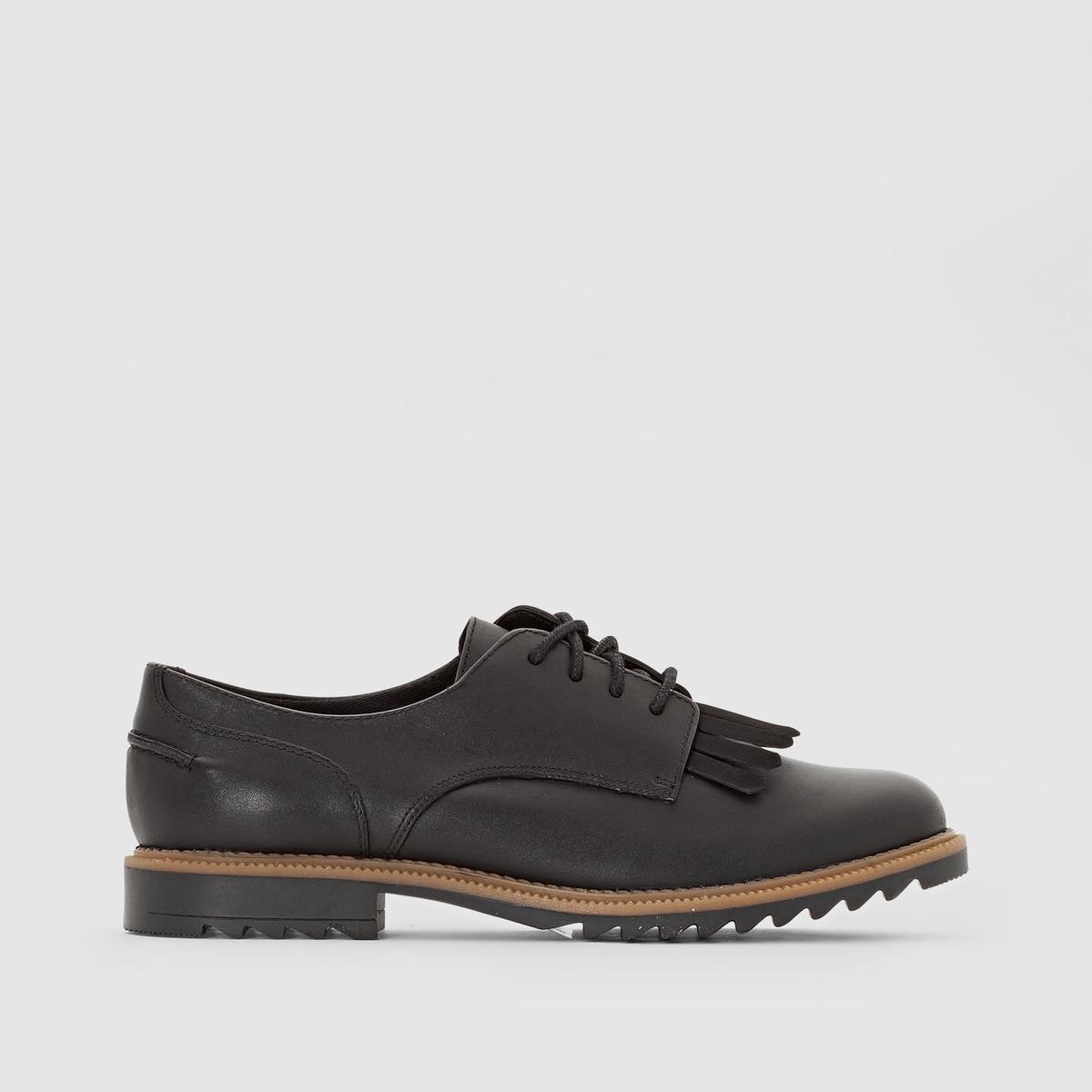 Ботинки-дерби CLARKS GRIFFIN MABELПреимущества : ботинки-дерби CLARKS с технологией Cushion Plus, настоящие дерби в стиле обуви для гольфа с язычком с бахромой на подъеме стопы.<br><br>Цвет: черный