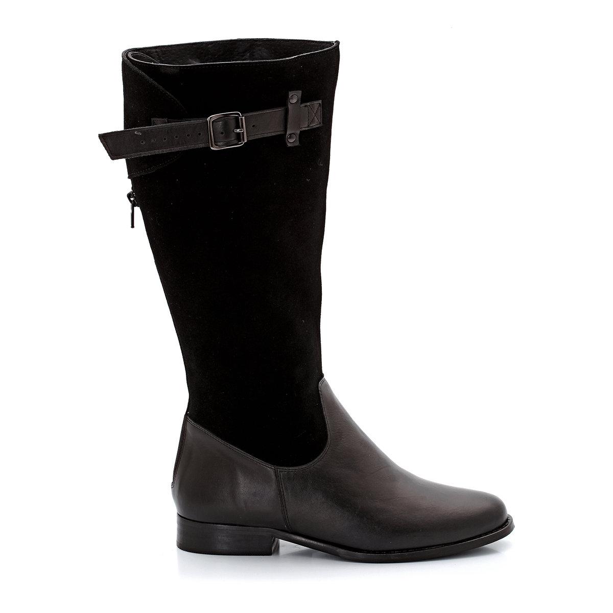 Сапоги из кожи и замшиСтелька: кожа на пористой основе. Подошва: эластомер. Высота каблука:  2 см. Застежка:  молния сзади и регулируемый клапан. Высота голенища: 36 см. Обхват икры: от 40 до 47 см. Плюс модели: планки из коровьей кожи, регулируемые металлическими пряжками. Соответствие межжду размером обуви и обхватом икры:- размер 38/39 : обхват икры от 41 до 42 см- размер 40/41 : обхват икры от 43 до 44 см- размер 42/43 : обхват икры от 45 до 46 см- размер 44/45: обхват икры от 47 до 48 см<br><br>Цвет: черный