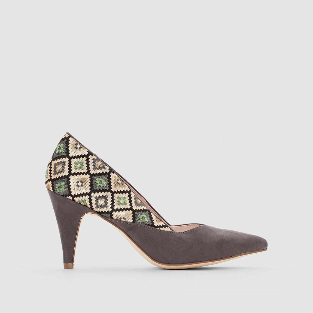 Туфли-лодочки с рисунком в стиле этно