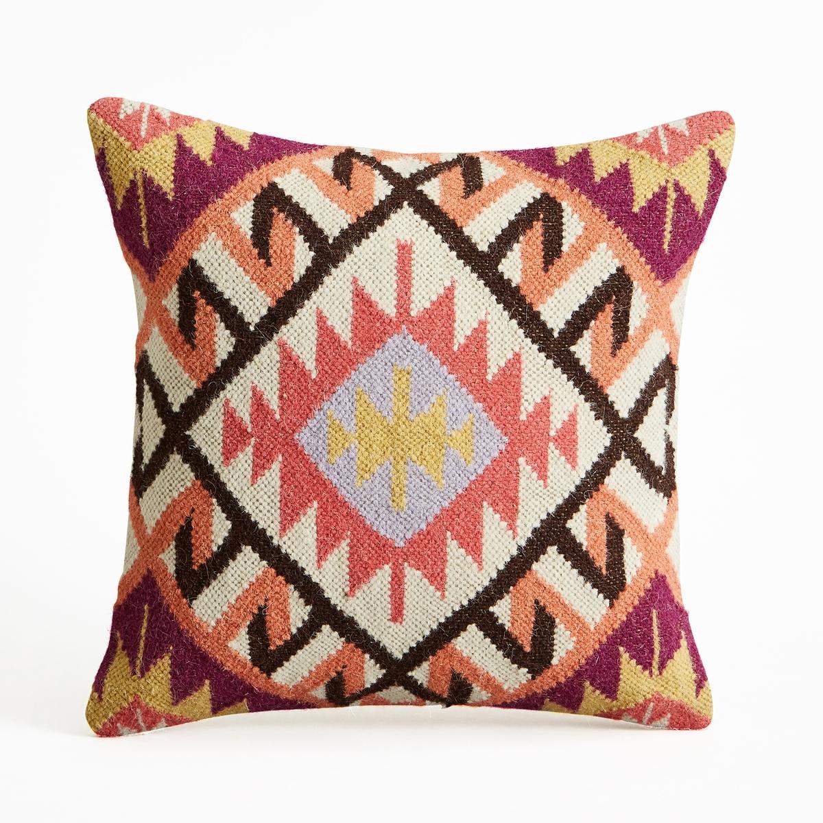 Чехол для подушки EppalocЧехол для подушки с тканым ковровым рисунком в стиле килим Eppaloc. Застежка на молнию.Состав:- Лицевая сторона: 80% шерсти, 20% хлопка, оборотная сторона однотонная, из 100% хлопка. Размеры :- 45 x 45 см.Подушка продается отдельно на сайте.<br><br>Цвет: оранжевый<br>Размер: 45 x 45  см