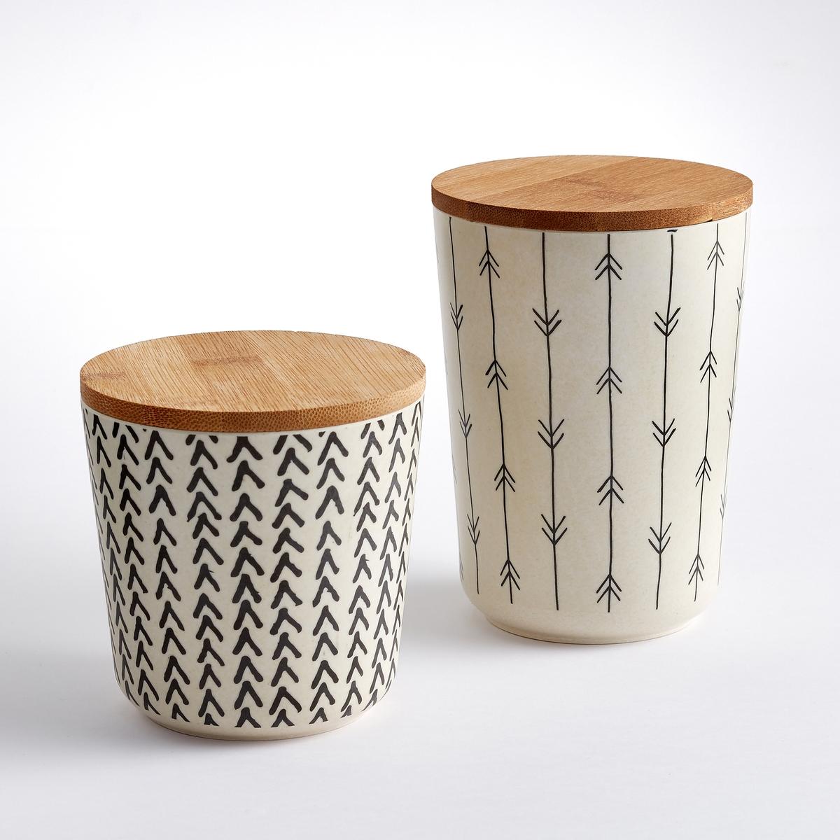 Коробка для хранения бамбуковая, BAMBOSKA, (2 шт.)Экзотический материал, графический этнический стиль : коробки для хранения Bamboska пригодятся при любых обстоятельствах и украсят Ваш интерьер.Характеристики 2 коробок для хранения из бамбука Bamboska :С рисунком, 2 различных мотива.Размеры 2 коробок для хранения из бамбука Bamboska :Коробка 1 : диаметр. 10,3 x высота 14,8 см.Коробка 2 : диаметр. 10,3 x высота 10,8 см.Бамбук с рисунком, цвета : кремовый / черный. Другие модели комплекта и другие коллекции предметов декора стола вы можете найти на сайте laredoute.ru<br><br>Цвет: набивной рисунок