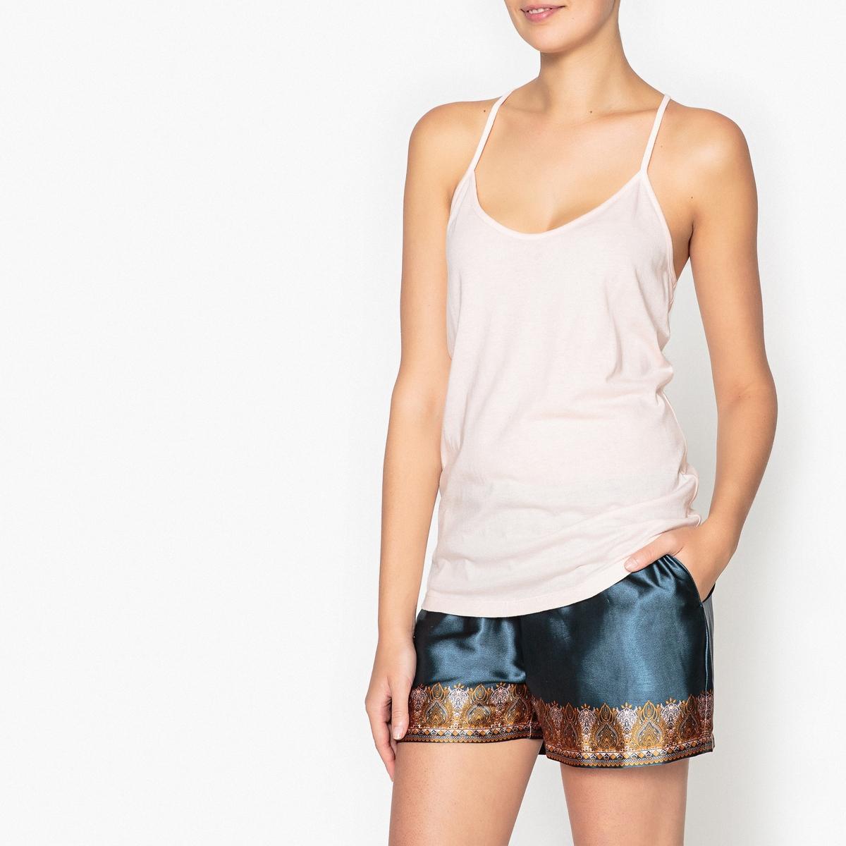 Пижама с шортами и рисунком, с кружевной вставкой