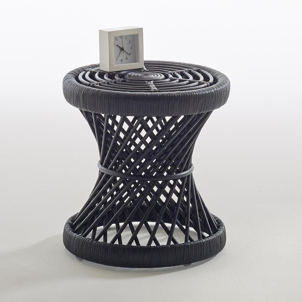 Тумба-табурет MaluХарактеристики тумбы-табурета Malu :Ажурные ножки и верх из плетеного ротанга.Обработка морилкой медового цвета или покрытие лаком черного цвета.Поставляется в собранном виде.Другие предметы мебели из коллекции  Malu на сайте laredoute.ru.Размеры :Диаметр : 35 см.Высота : 37 см.Размеры и вес упаковки :1 упаковкаШир. 37 x Выс. 38 x Гл. 37 см3 кг<br><br>Цвет: медовый,черный
