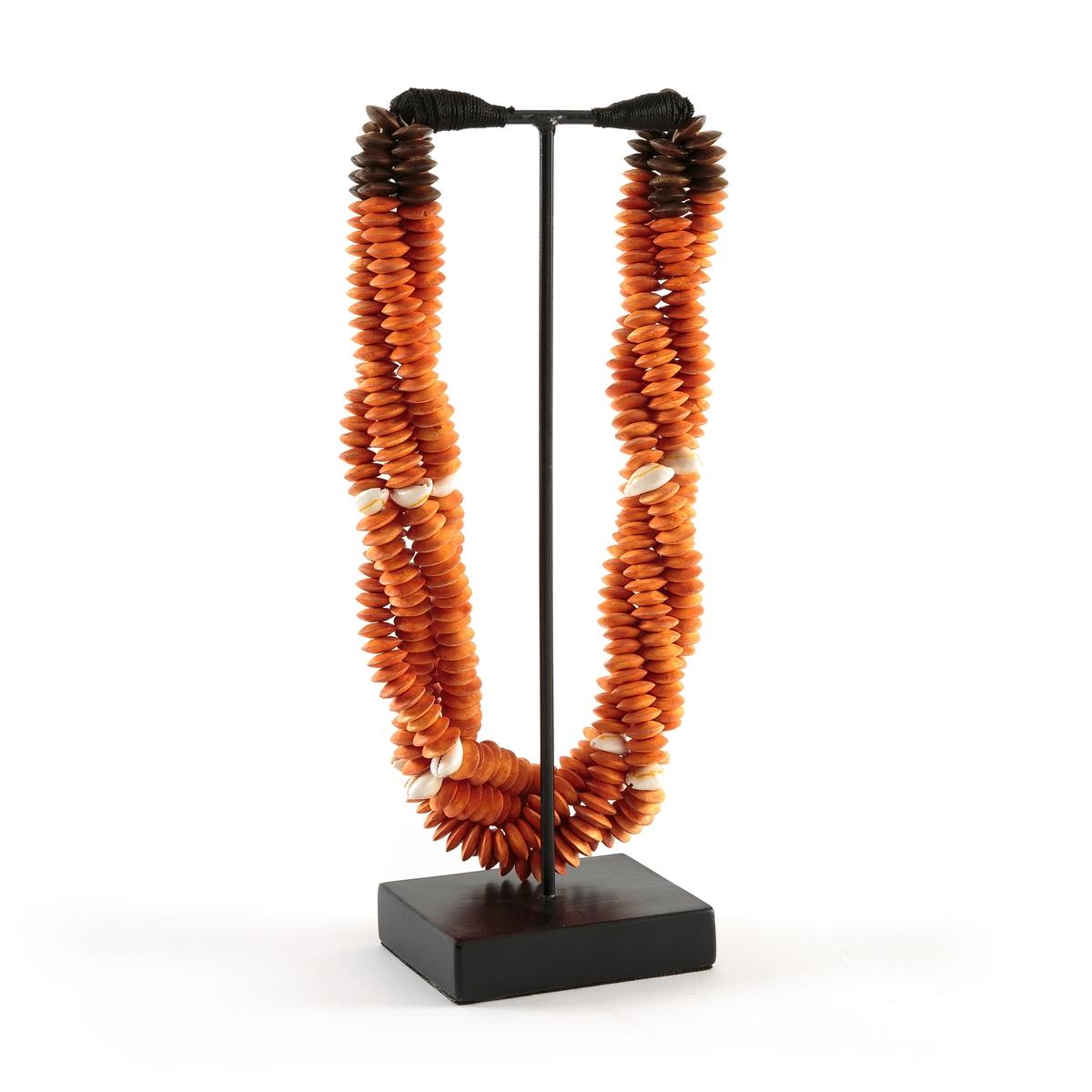Декор из ракушек, TimorusПредмет декора Timorus. Добавьте нотку в этническом стиле в ваш декор с этим колье с острова Тимора из Южной Азии  . Из ракушек на веревке и основанием из металла . Ручная работа, каждое изделие уникально . Размеры : L15 x H40 x P10 см .<br><br>Цвет: оранжевый