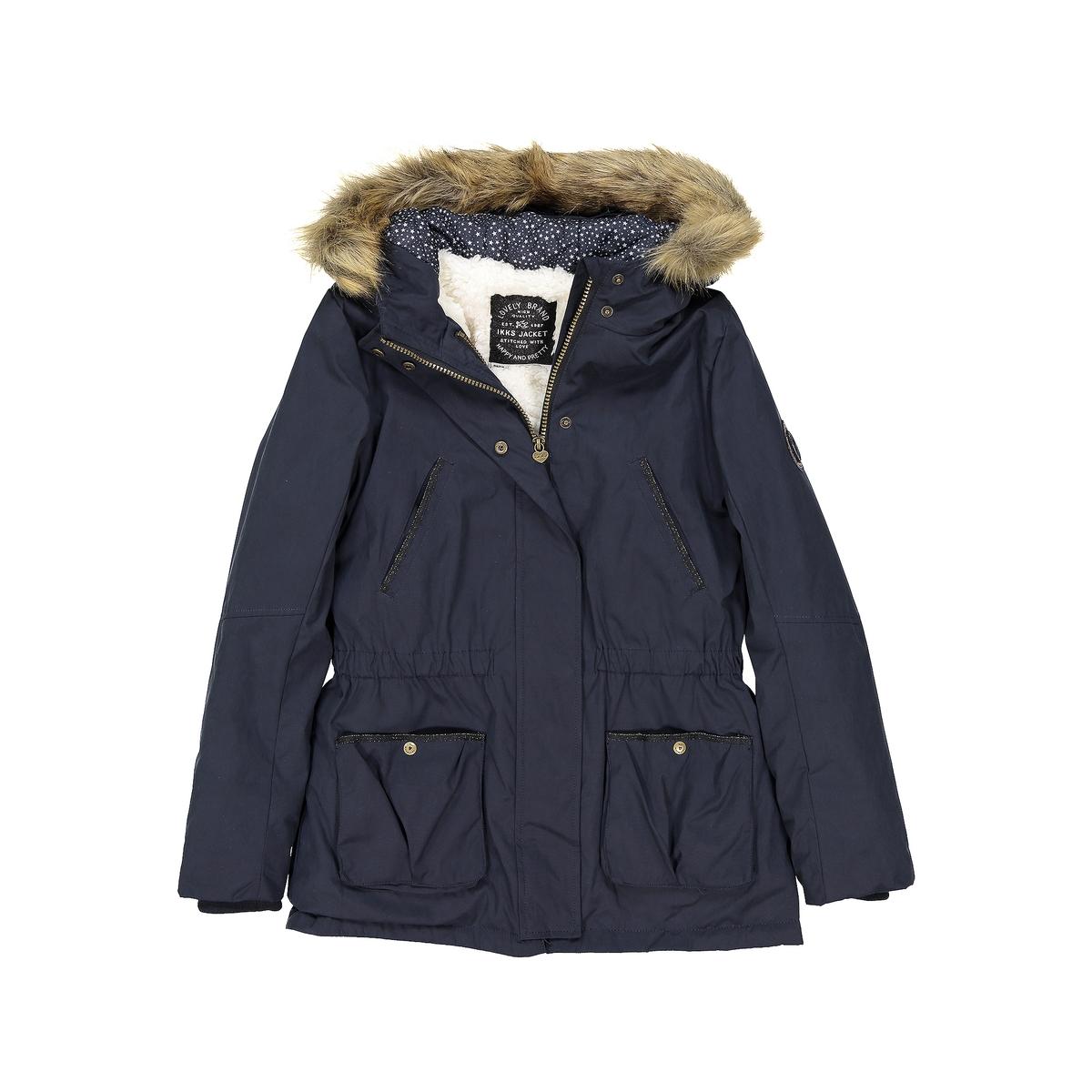 Парка 2 в 1 с капюшоном 3 -14 летДетали •  Непромокаемая •  Застежка на молнию •  С капюшоном •  Длина : укороченнаяСостав и уход •  36% хлопка, 15% полиамида, 49% полиэстера •  Следуйте советам по уходу, указанным на этикетке2 в 1, эта утепленная модель для девочек сочетает в себе парку темно-синего цвета и красную куртку.Стоячий воротник, длинные рукава в рубчик, 2 накладных кармана.   Застежка на молнию и кнопки.   Внутри : красная куртка без рукавов из стеганой ткани<br><br>Цвет: темно-синий<br>Размер: 12 лет -150 см.10 лет - 138 см.8 лет - 126 см.6 лет - 114 см