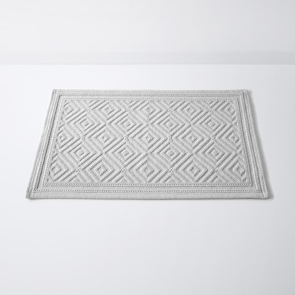 Коврик для ванной с рельефным рисункомCAIRO, 100% хлопок (1500 г/м?)Коврик для ванной CAIRO, качество Best, с рельефным рисунком,100% хлопок. Рельефный рисунок - одновременно графичный и изысканный - украшает этот коврик для ванной CAIRO, качество Best.Характеристики:Материал: 100% хлопок (1500 г/м?).Противоскользящее покрытие с изнанки.Уход:Машинная стирка при 60°С.Размеры:50 x 70 см.<br><br>Цвет: голубой бирюзовый,серый<br>Размер: 50 x 80  см.50 x 80  см