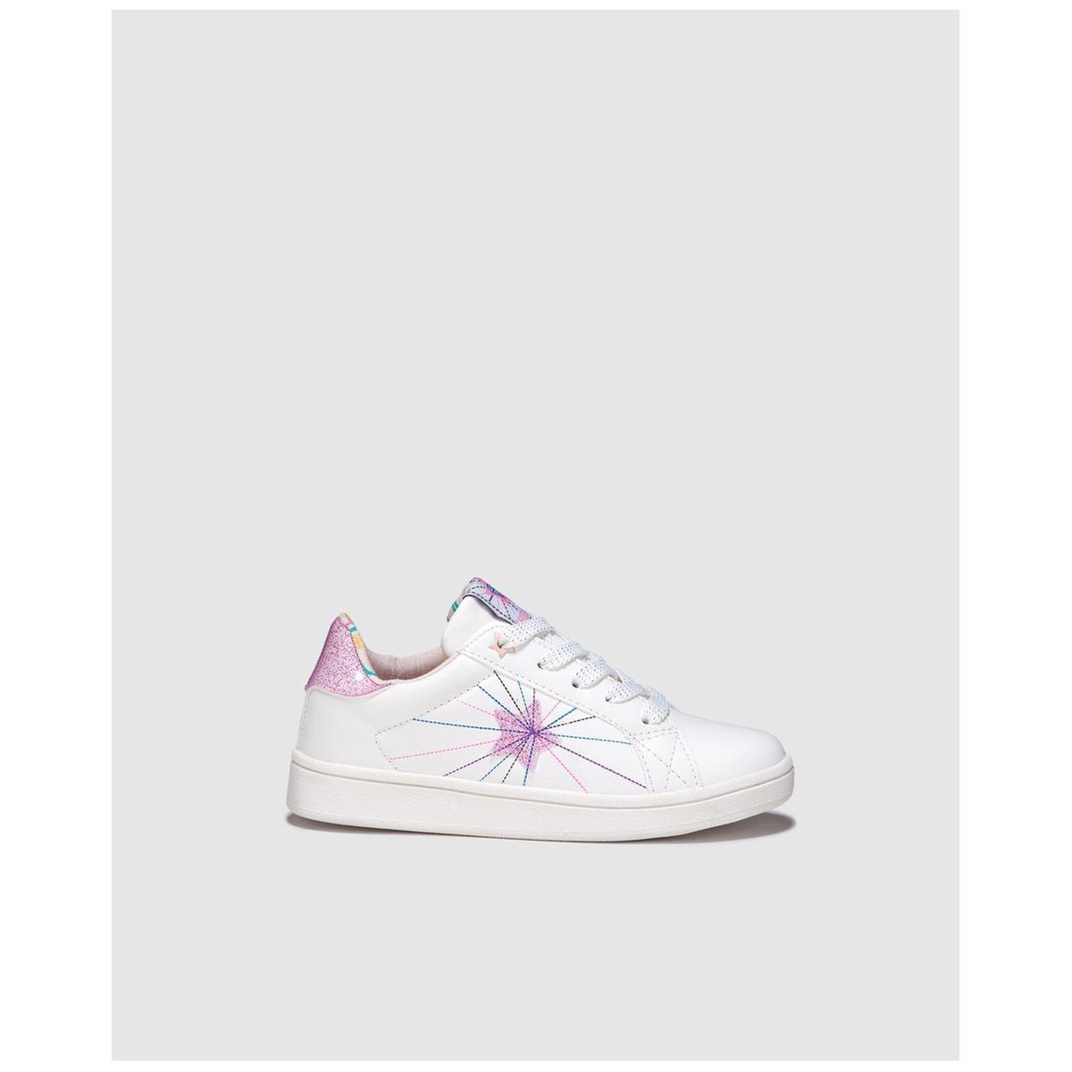Chaussures sport  à lacets /