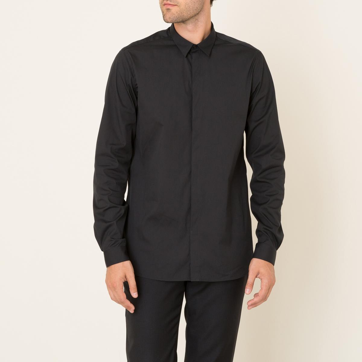 Рубашка классическая с кожаным воротникомСостав и описание Материал : поплин 78% хлопка, 18% полиамида Вставка из 100% кожа ягненка Марка : THE KOOPLES<br><br>Цвет: черный