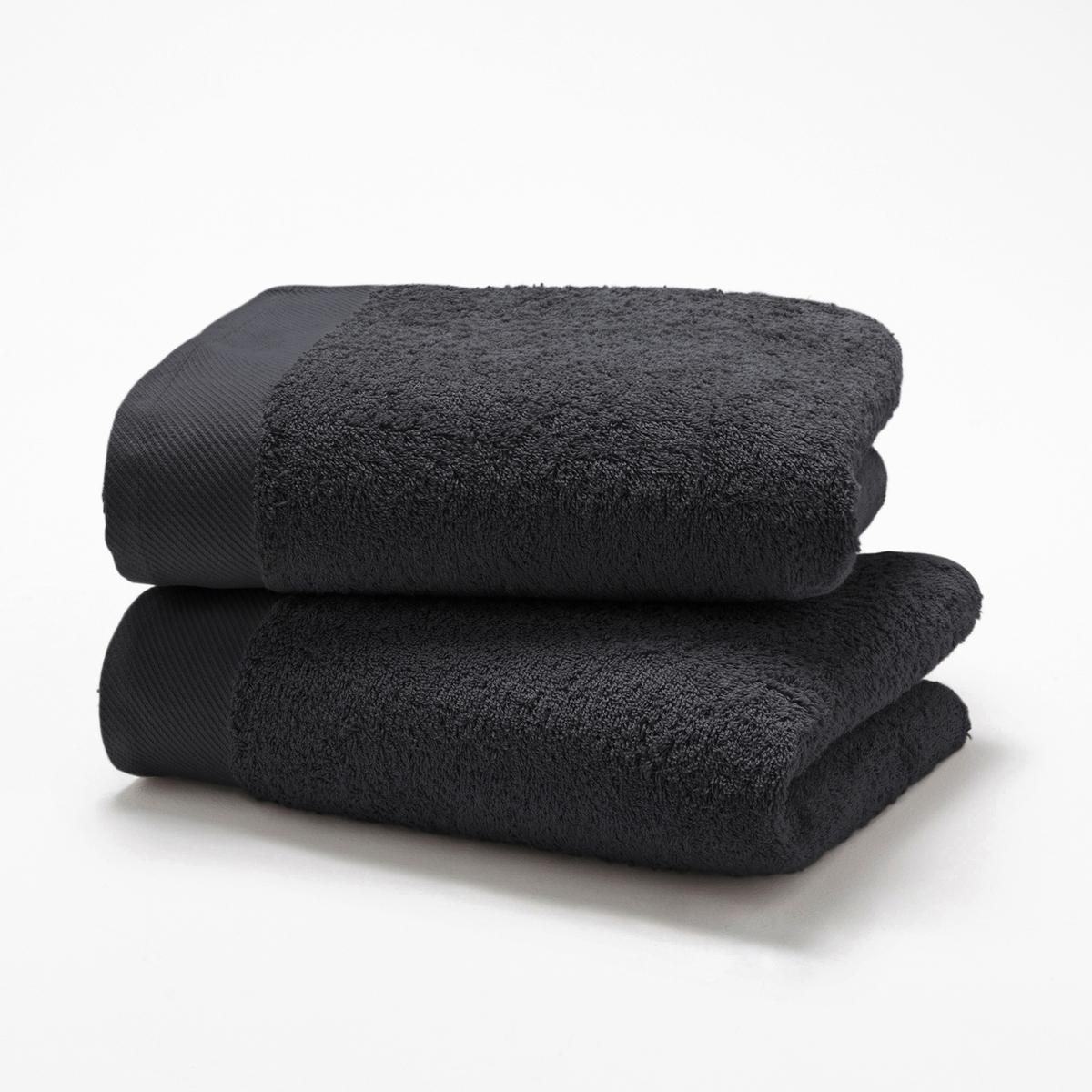Комплект из 2 полотенец из махровой ткани 500 г/м?Комплект из 2 полотенец из высококачественной махровой ткани, 100% хлопок (500 г/м?), невероятно нежной, мягкой и отлично впитывающей влагу.Полотенца разных цветов для ванной...Характеристики 2 однотонных полотенец :- Махровая ткань, 100% хлопок (500 г/м?).- Отделка краев диагонали.- Машинная стирка при 60 °С.- Машинная сушка.- Замечательная износоустойчивость, сохраняет мягкость и яркость окраски после многочисленных стирок.- Размеры полотенца : 50 x 100 см.- В комплекте 2 полотенца. Знак Oeko-Tex® гарантирует, что товары протестированы и сертифицированы, не содержат вредных веществ, которые могли бы нанести вред здоровью.<br><br>Цвет: белый,гуава,зеленый  атолл,серо-бежевый,серо-синий,сине-зеленый,синий морской волны,черный<br>Размер: 50 x 100 см.50 x 100 см.50 x 100 см