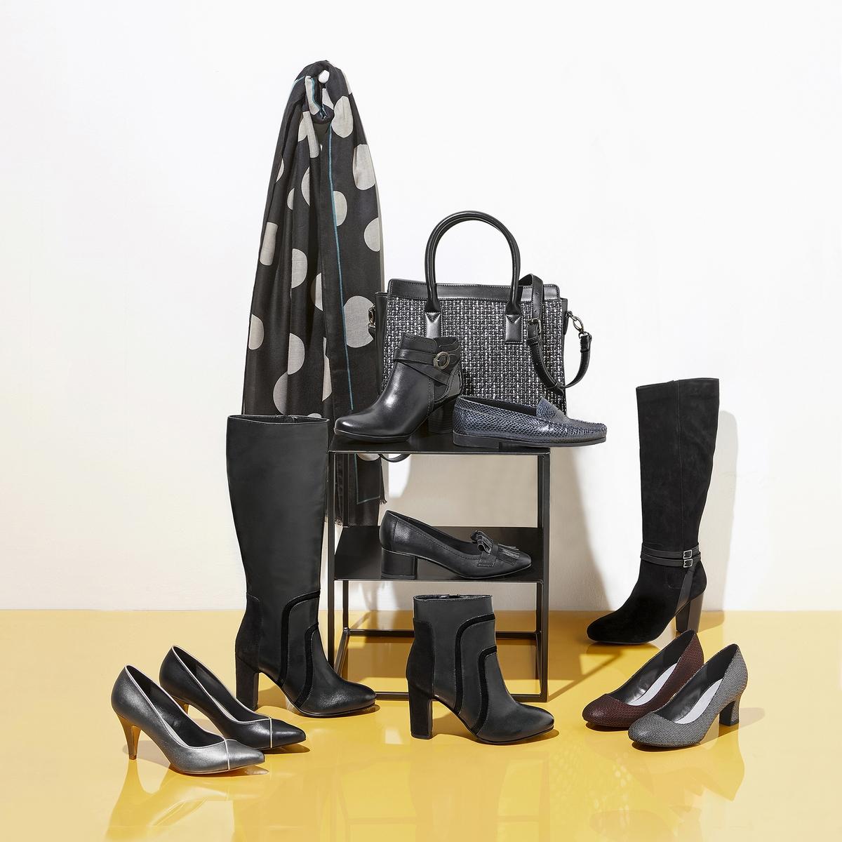 Imagen principal de producto de Zapatos de tacón gris, cortes dorados - Anne weyburn