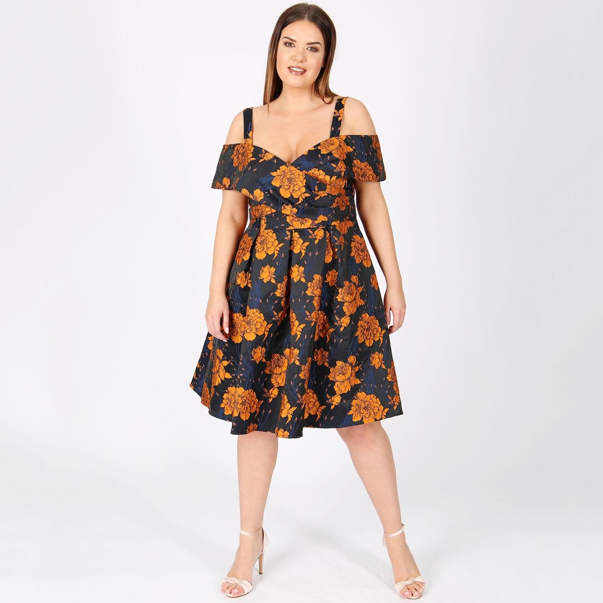 Платье расклешенное с цветочным принтом средней длины