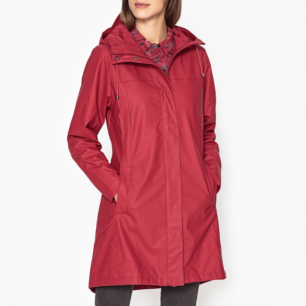 Куртка длинная с непромокаемым капюшоном SCARLETКуртка длинная с капюшоном RAINS - SCARLET : с внутр.подкладкой, из дышащей и непромокаемой ткани .Детали •  Длина : укороченная   •  Капюшон  •  Застежка на молнию •  С капюшоном Состав и уход •  50% полиэстера, 50% полиуретана •  Следуйте советам по уходу, указанным на этикетке •  Застежка на молнию, двойной ползунок •  Высокий воротник с завязками  •  Манжеты на кнопках • Боковые и внутр.карманы •  Плиссировка с каждой стороны сзади •  Длина ок. 89 см. для размера S<br><br>Цвет: красный