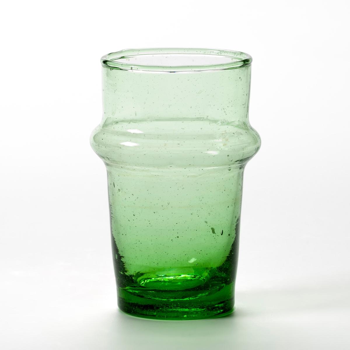 Комплект из 6 стаканов из дутого стекла, ArtacamaКомплект из 6 стаканов Artacama. Ручная работа, произведено в Марокко из переработанного стекла. Каждый стакан уникален. Из дутого стекла. Размеры: ? верха 6, ? низа 4,3 x В.10,5 см. Емкость 18 cl. Можно мыть в посудомоечной машине. Чайные чашки из этой же коллекции продаются на нашем сайте.<br><br>Цвет: зеленый