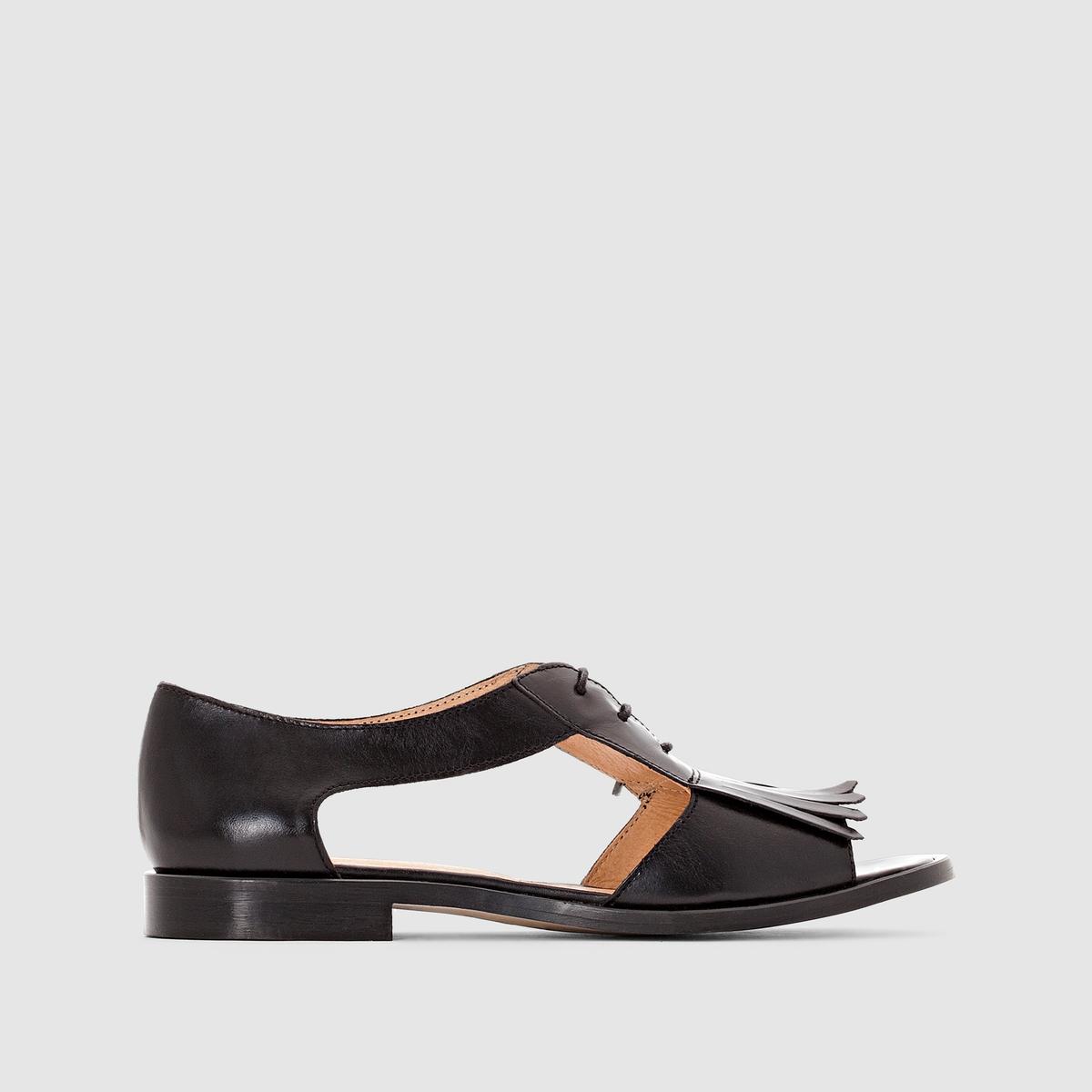 Босоножки из кожи плоские с вырезами JONAKПреимущества:  босоножки из кожи от JONAK в оригинальном стиле, который меняет стандарты для плоских сандалий на шнуровке с тем, чтобы сделать их самыми желанными в этом сезоне .<br><br>Цвет: черный<br>Размер: 38